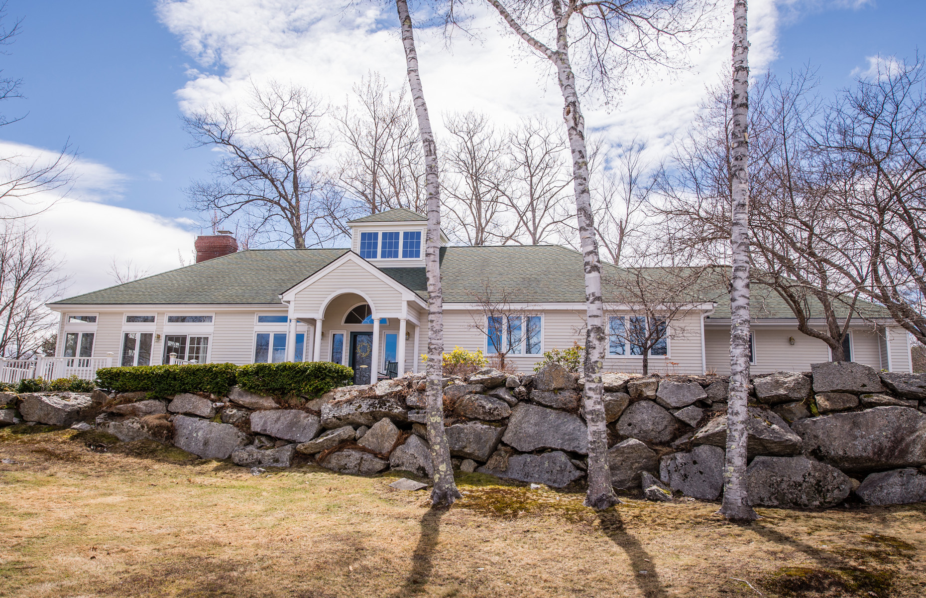 Single Family Home for Sale at Distinctive Home at the Grouse Point Club 2 Eagle Point Ln Meredith, New Hampshire 03253 United States