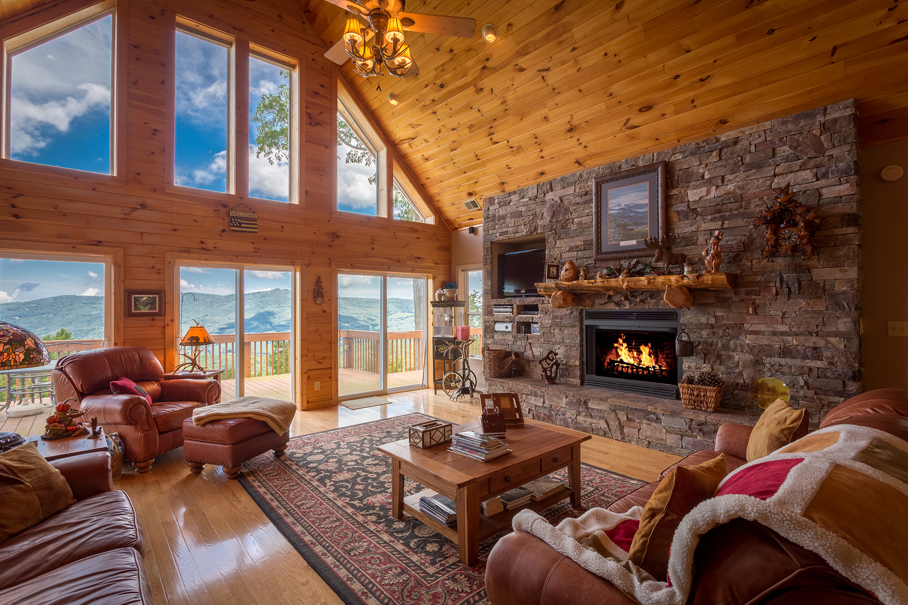 Casa para uma família para Venda às Banner Elk - Mountain Meadows 130 Summit Trail Banner Elk, Carolina Do Norte, 28604 Estados Unidos