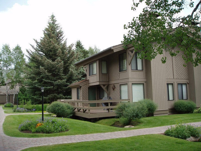Additional photo for property listing at Location Near Sun Valley Village 1252 Villager Condo Sun Valley, Idaho 83353 United States