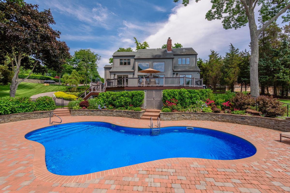 Tek Ailelik Ev için Satış at Contemporary 460 E Inlet View Mattituck, New York 11952 Amerika Birleşik Devletleri