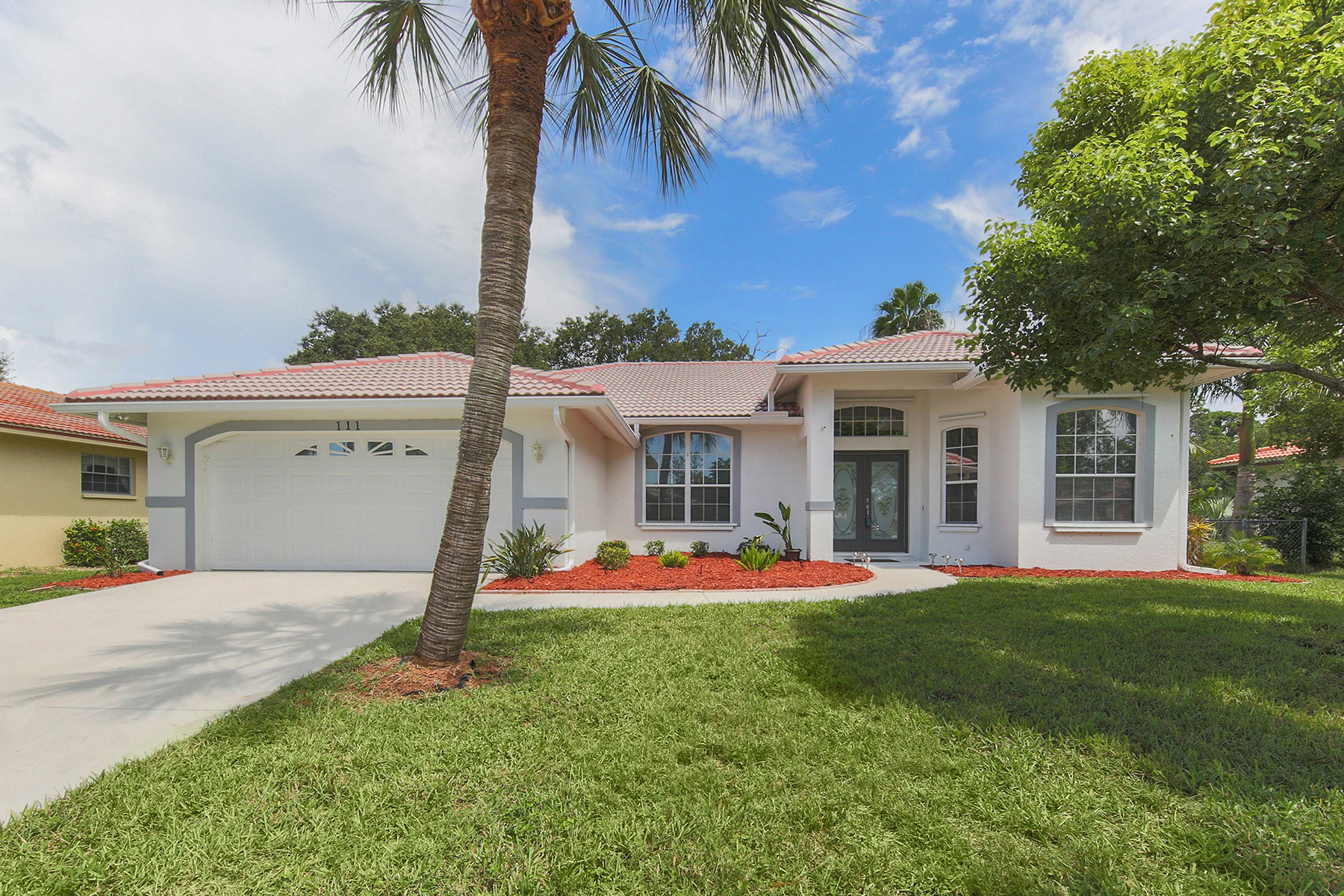 Single Family Home for Sale at SORRENTO EAST 111 Da Vinci Dr Nokomis, Florida, 34275 United States