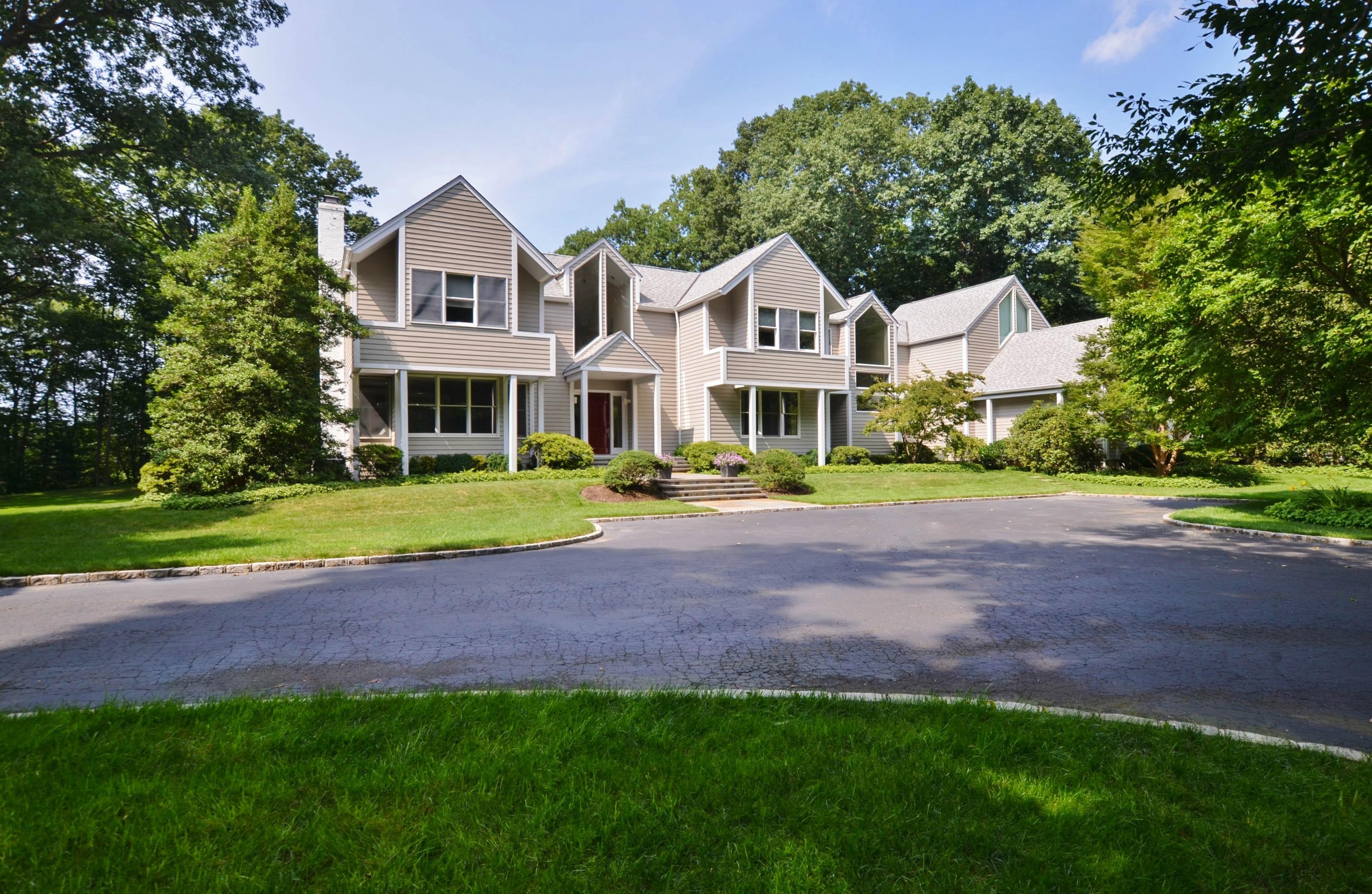 sales property at 2 Danton Ln S