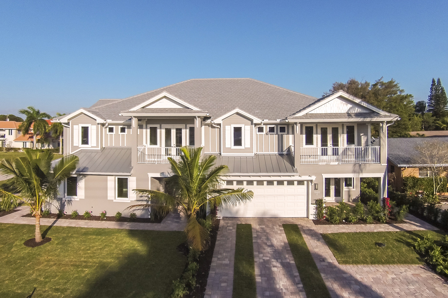 タウンハウス のために 売買 アット VANDERBILT COTTAGES 10462 Vanderbilt Dr Unit 1 Naples, フロリダ, 34108 アメリカ合衆国