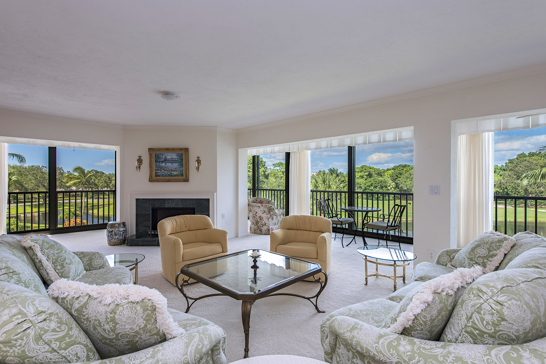 Nhà chung cư vì Bán tại PELICAN BAY - CHATEAUMERE 6060 Pelican Bay Blvd B-302 Naples, Florida, 34108 Hoa Kỳ