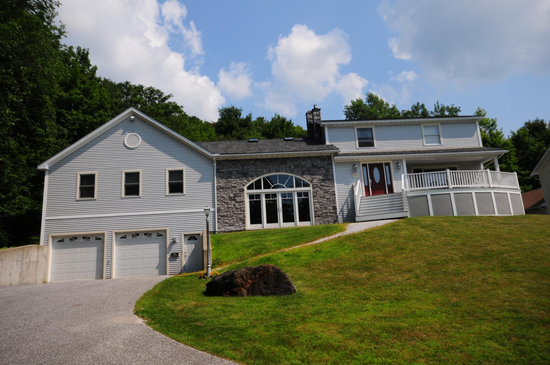 Casa para uma família para Venda às 159 High St, St. Albans City St. Albans, Vermont 05478 Estados Unidos