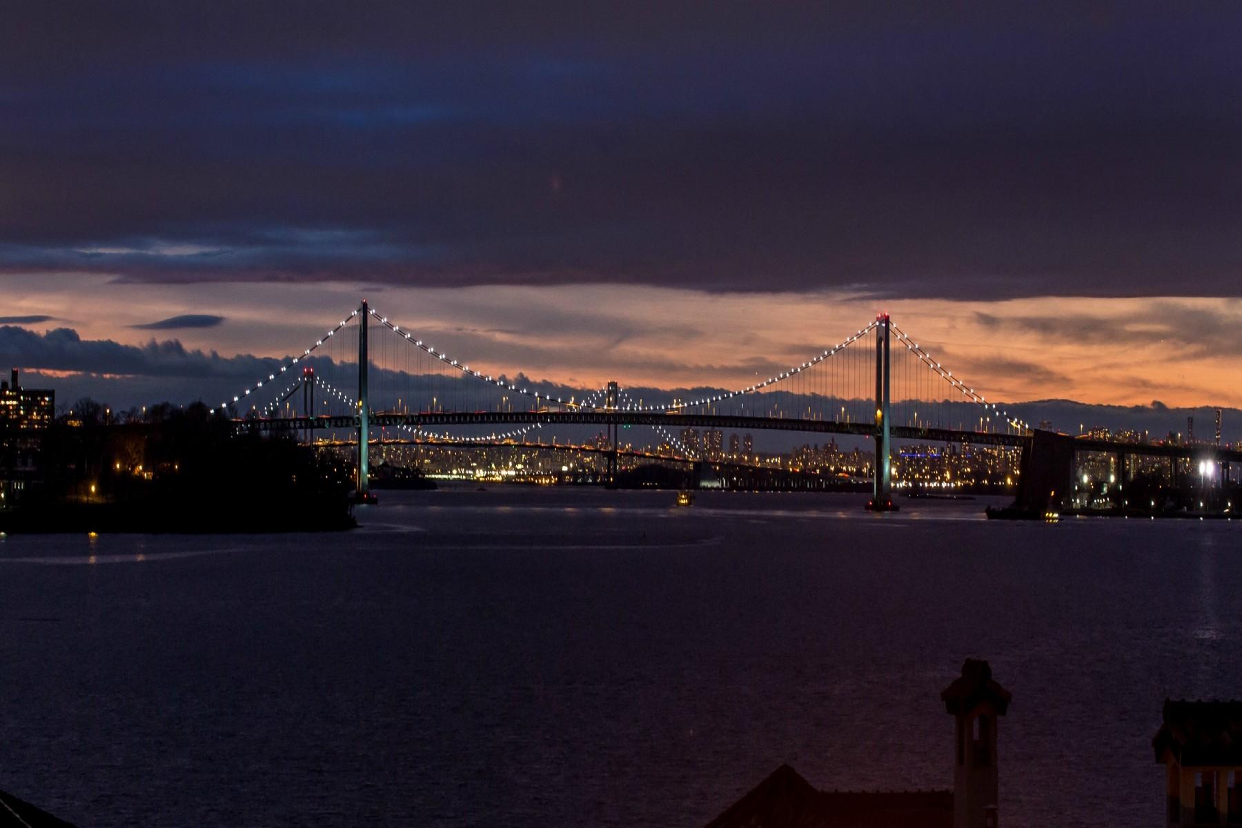sales property at Water views of bridge and NYC skyline