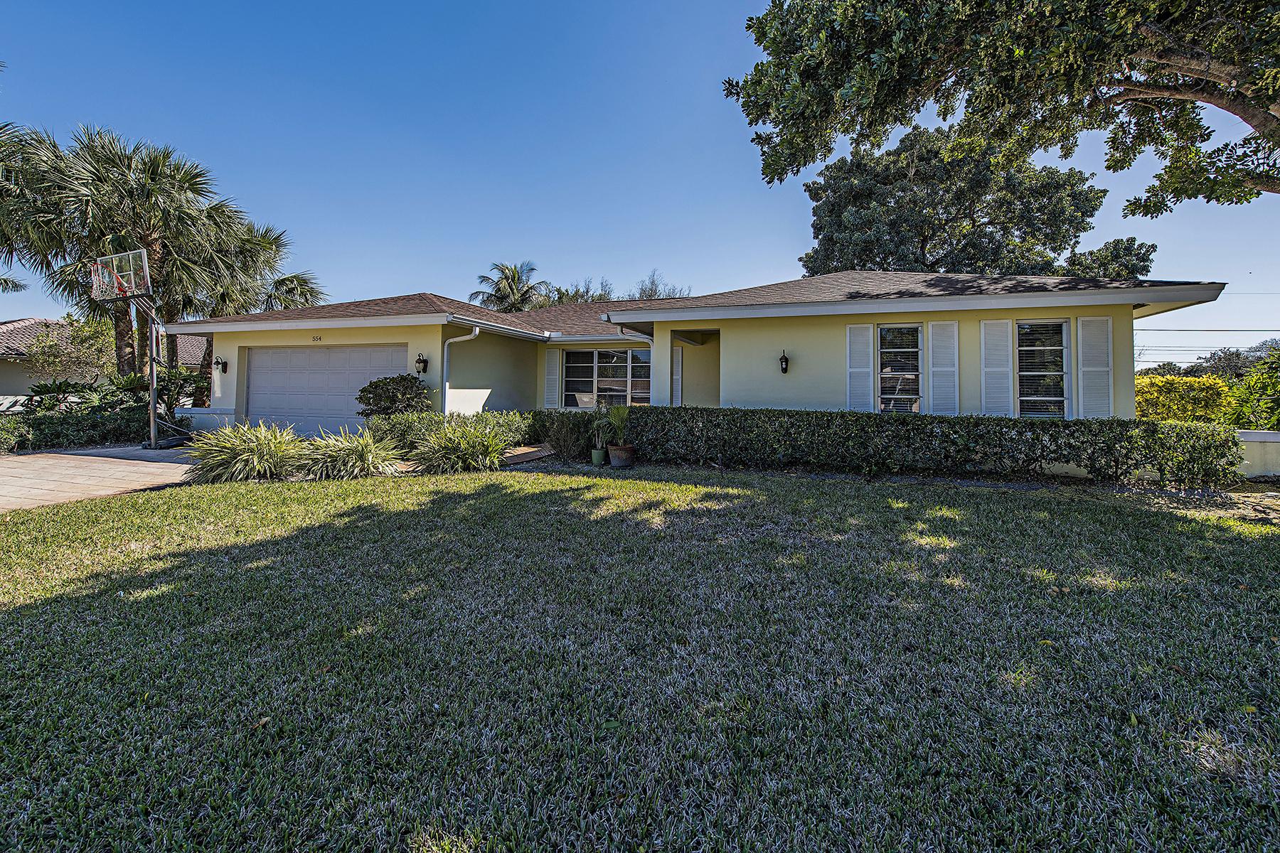 獨棟家庭住宅 為 出售 在 PALM RIVER 554 Cypress Way E Naples, 佛羅里達州, 34110 美國