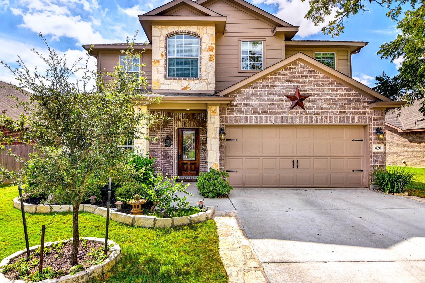 Casa Unifamiliar por un Venta en Gorgeous Home in Buffalo Crossing 420 Bison Ln Cibolo, Texas 78108 Estados Unidos