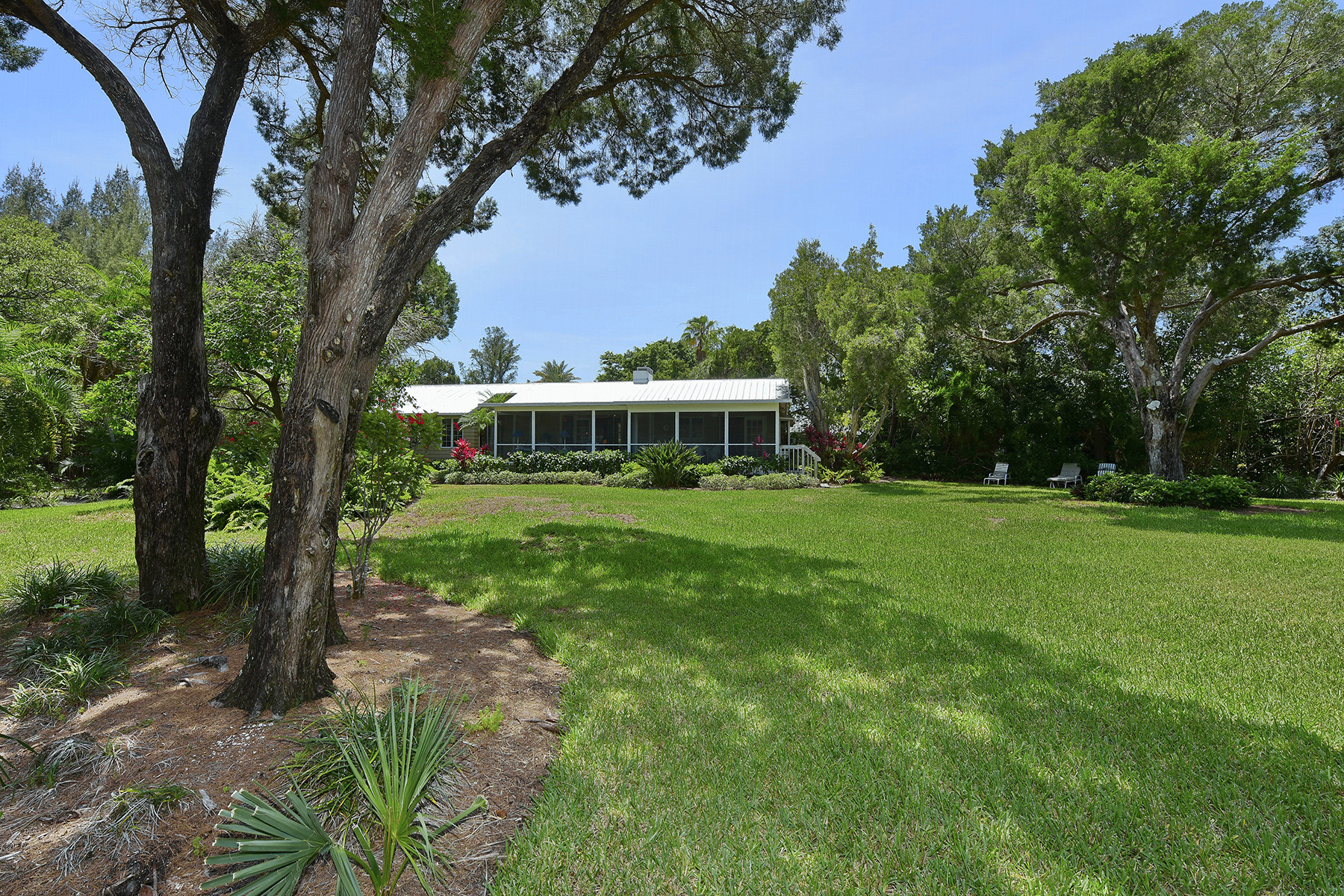 Casa Unifamiliar por un Venta en LONGBOAT KEY 4 ACRES 6680 Gulf Of Mexico Dr Longboat Key, Florida 34228 Estados Unidos