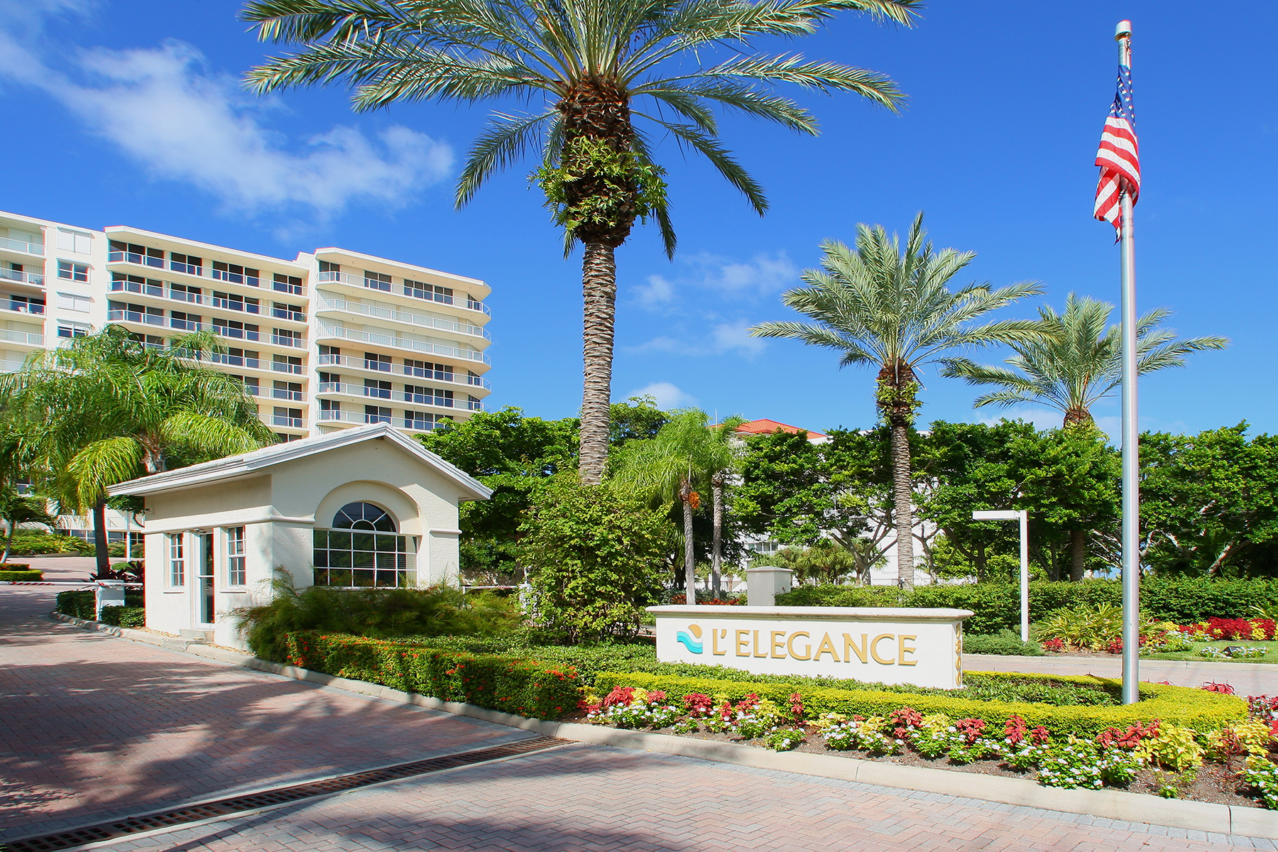 Condominio por un Venta en LIDO BEACH 1800 Benjamin Franklin Dr B907 Sarasota, Florida, 34236 Estados Unidos