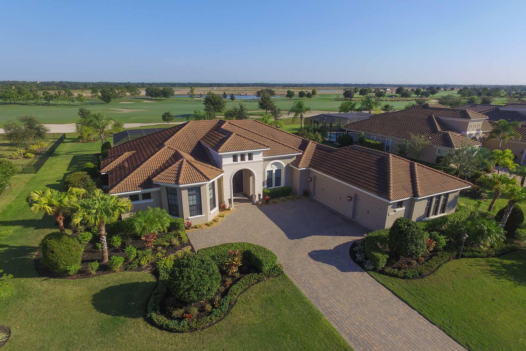 Single Family Home for Sale at LAKEWOOD RANCH COUNTRY CLUB EAST 15109 Camargo Pl Lakewood Ranch, Florida, 34202 United States
