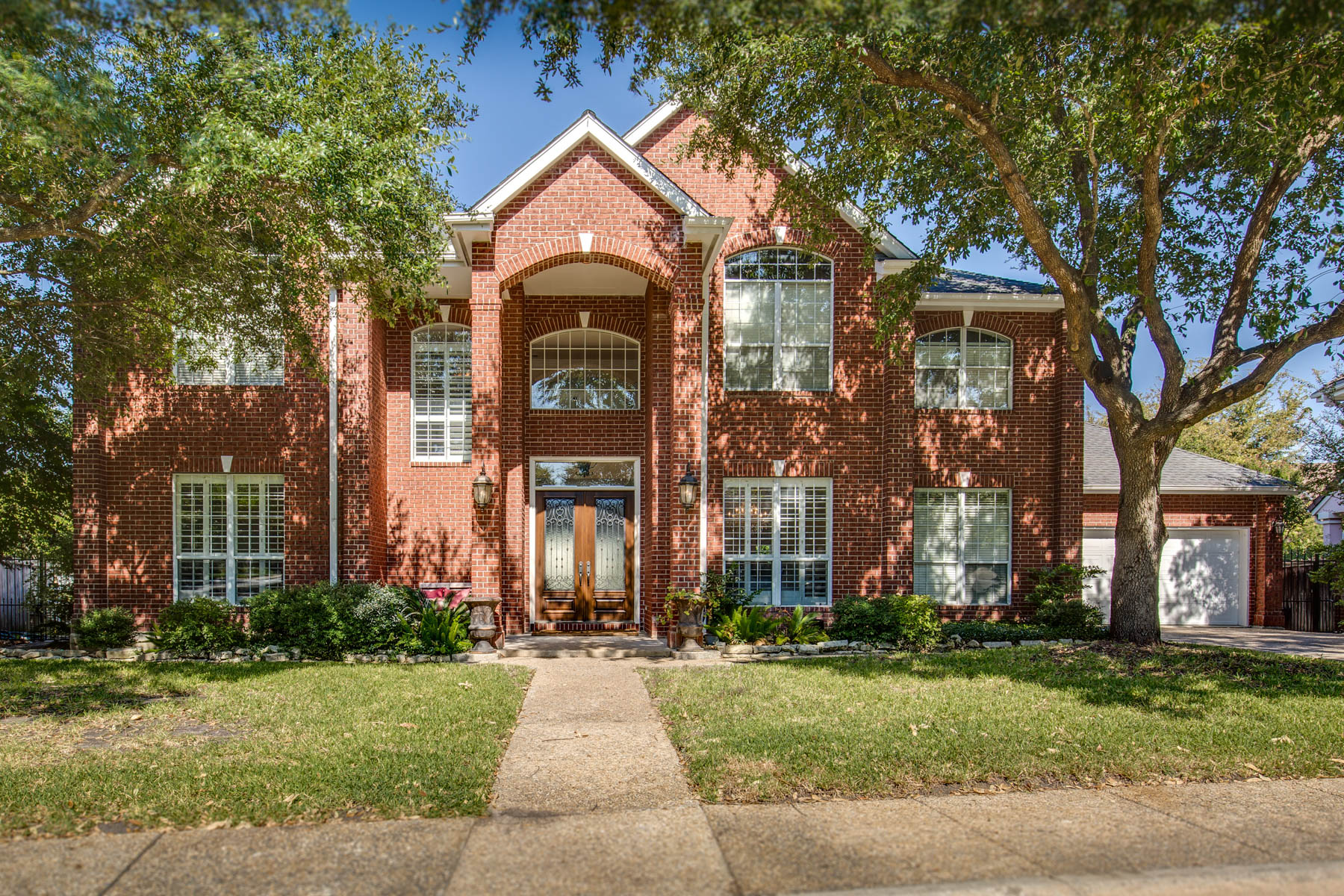 Property For Sale at Spacious Home in Alamo Heights ISD