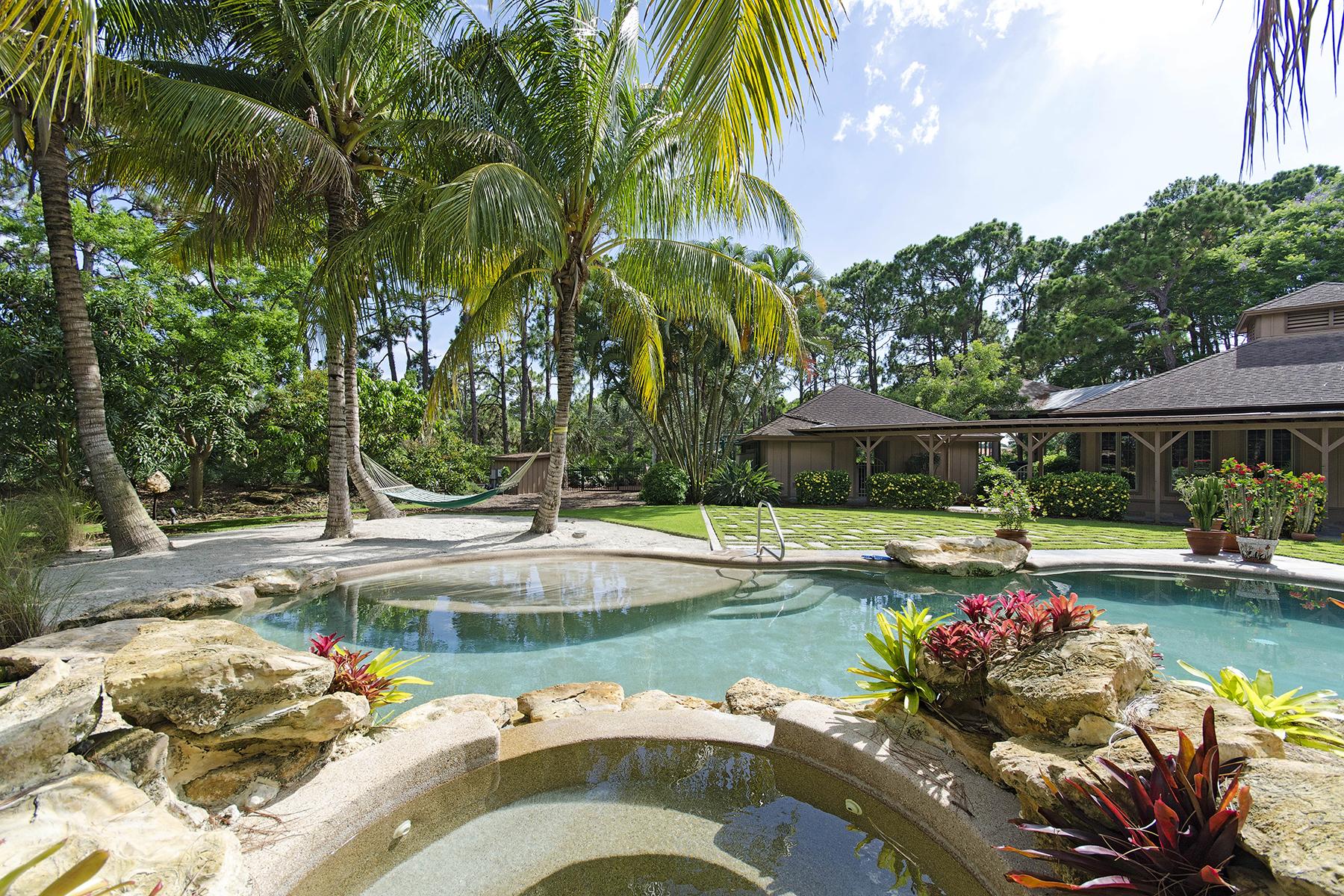 Nhà ở một gia đình vì Bán tại PINE RIDGE 63 Eugenia Dr Naples, Florida 34108 Hoa Kỳ