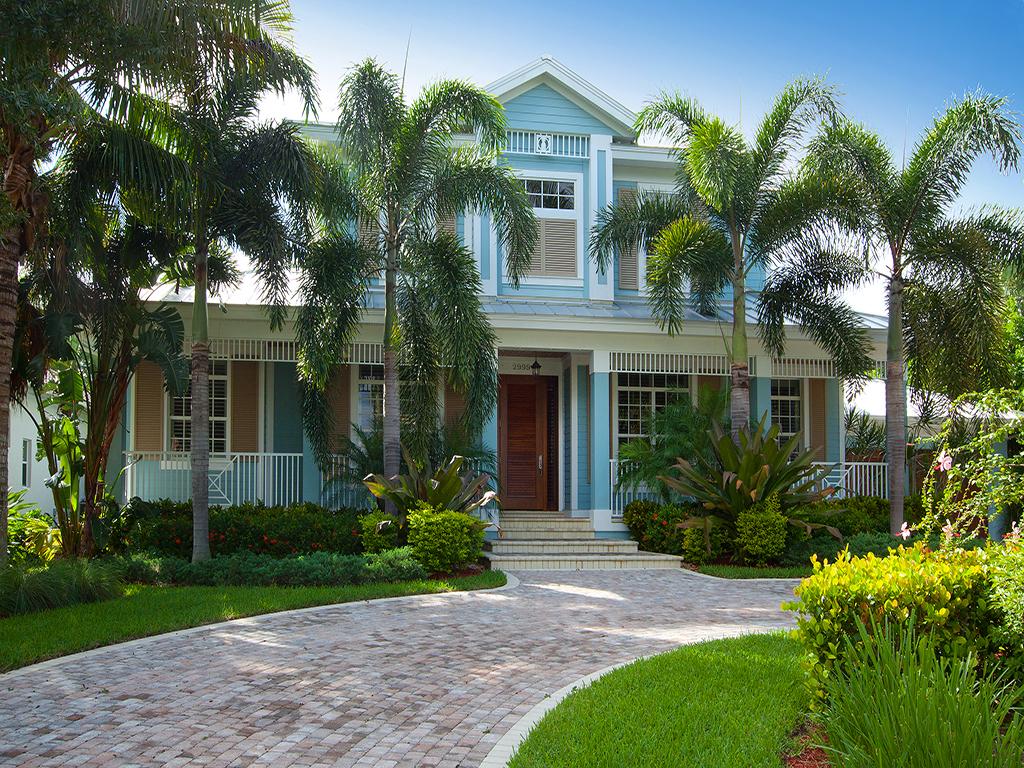Maison unifamiliale pour l Vente à 2999 Crayton Rd , Naples, FL 34103-4051 2999 Crayton Rd Naples, Florida 34103 États-Unis