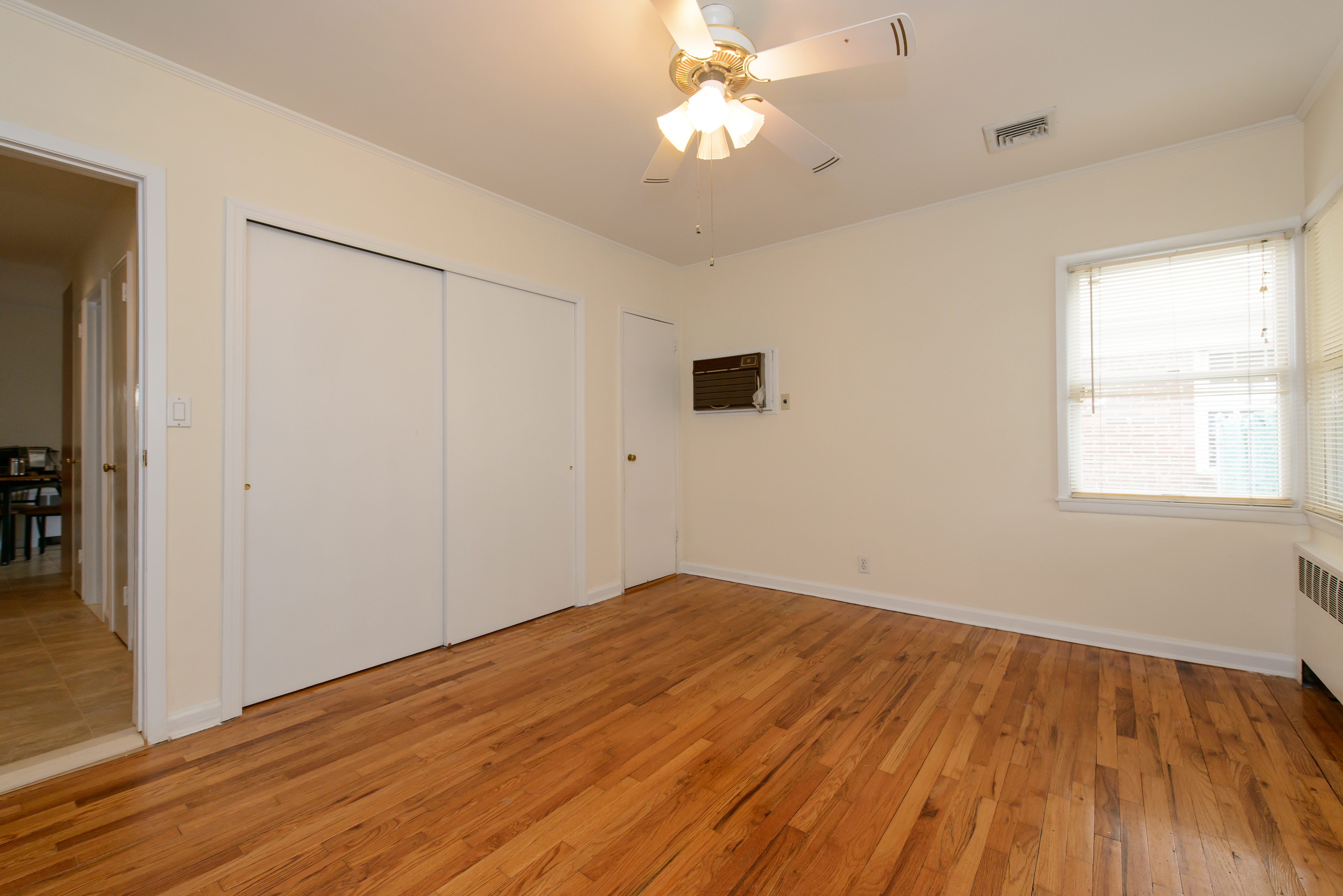 Additional photo for property listing at Colonial 218-23 56 Ave Bayside, New York 11364 United States