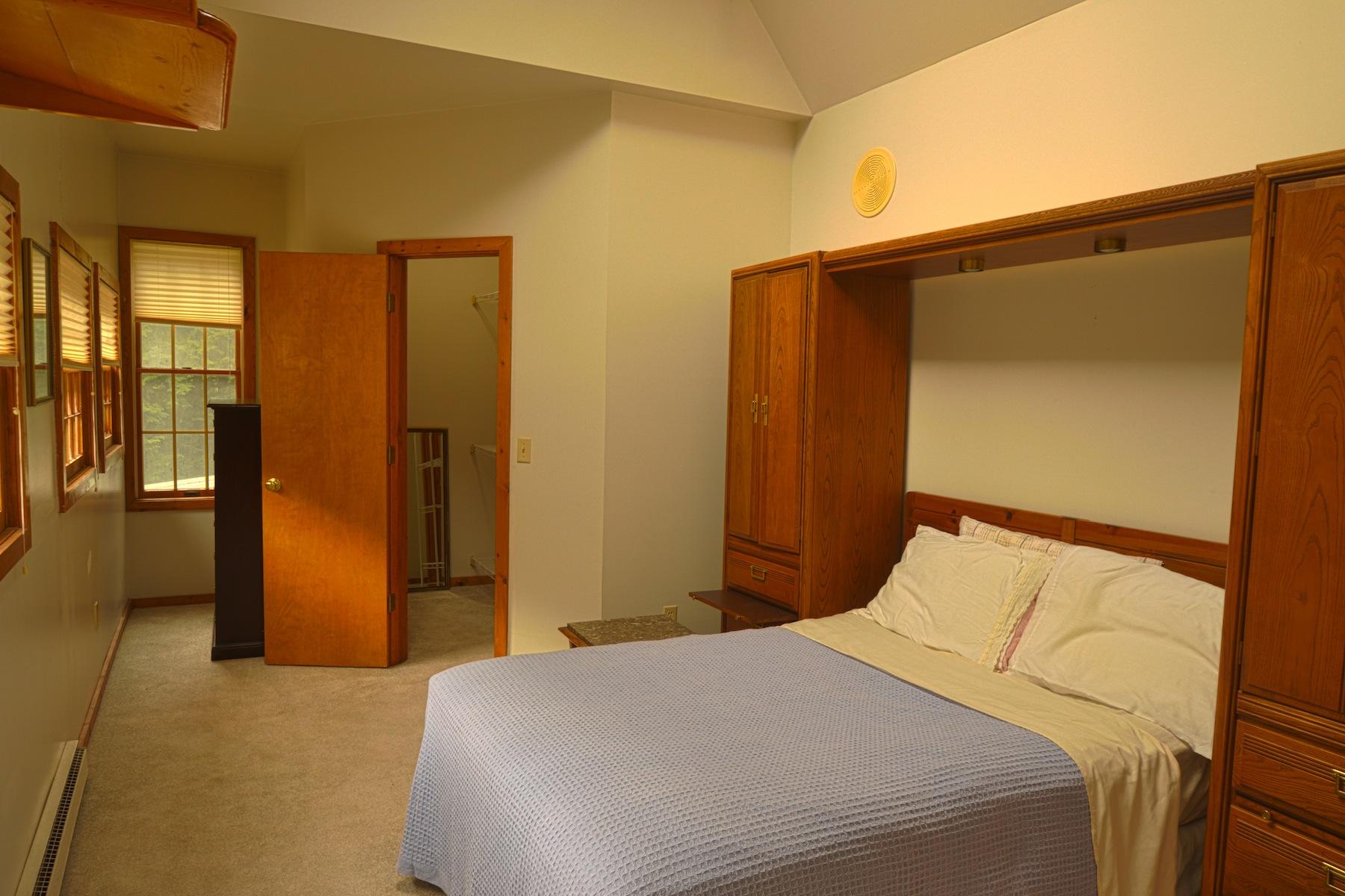 Additional photo for property listing at Streamside Cottage 255  Elka Park Rd Elka Park, Нью-Йорк 12427 Соединенные Штаты