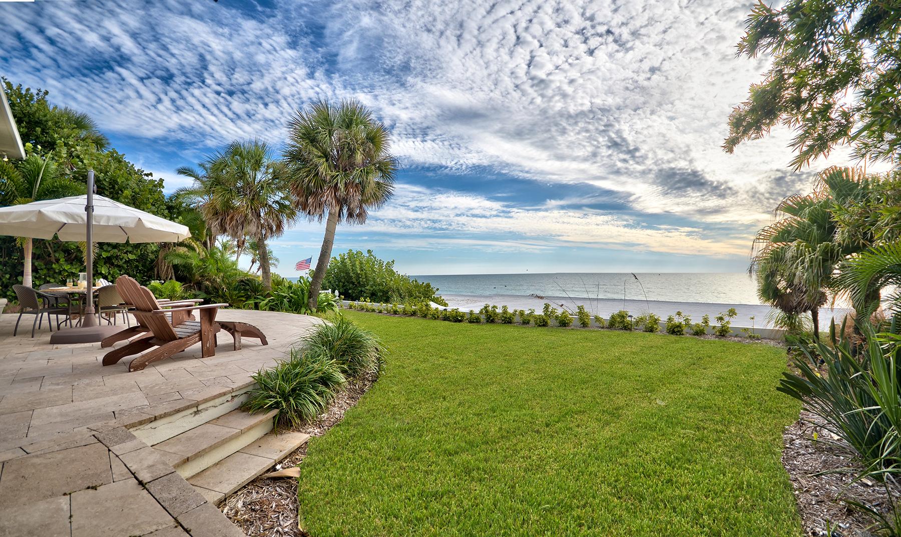 Casa para uma família para Venda às REDINGTON BEACH 16248 Gulf Blvd Redington Beach, Florida 33708 Estados Unidos