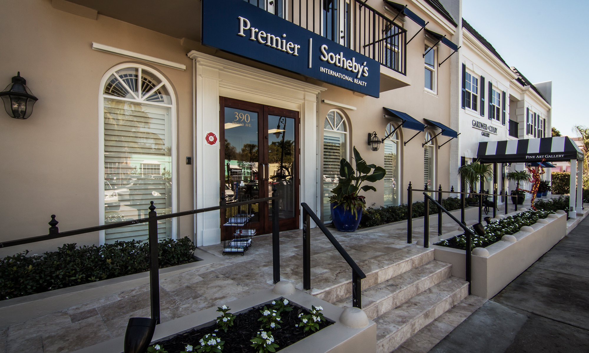 Office Premier Sotheby's International Realty Broad Avenue Photo