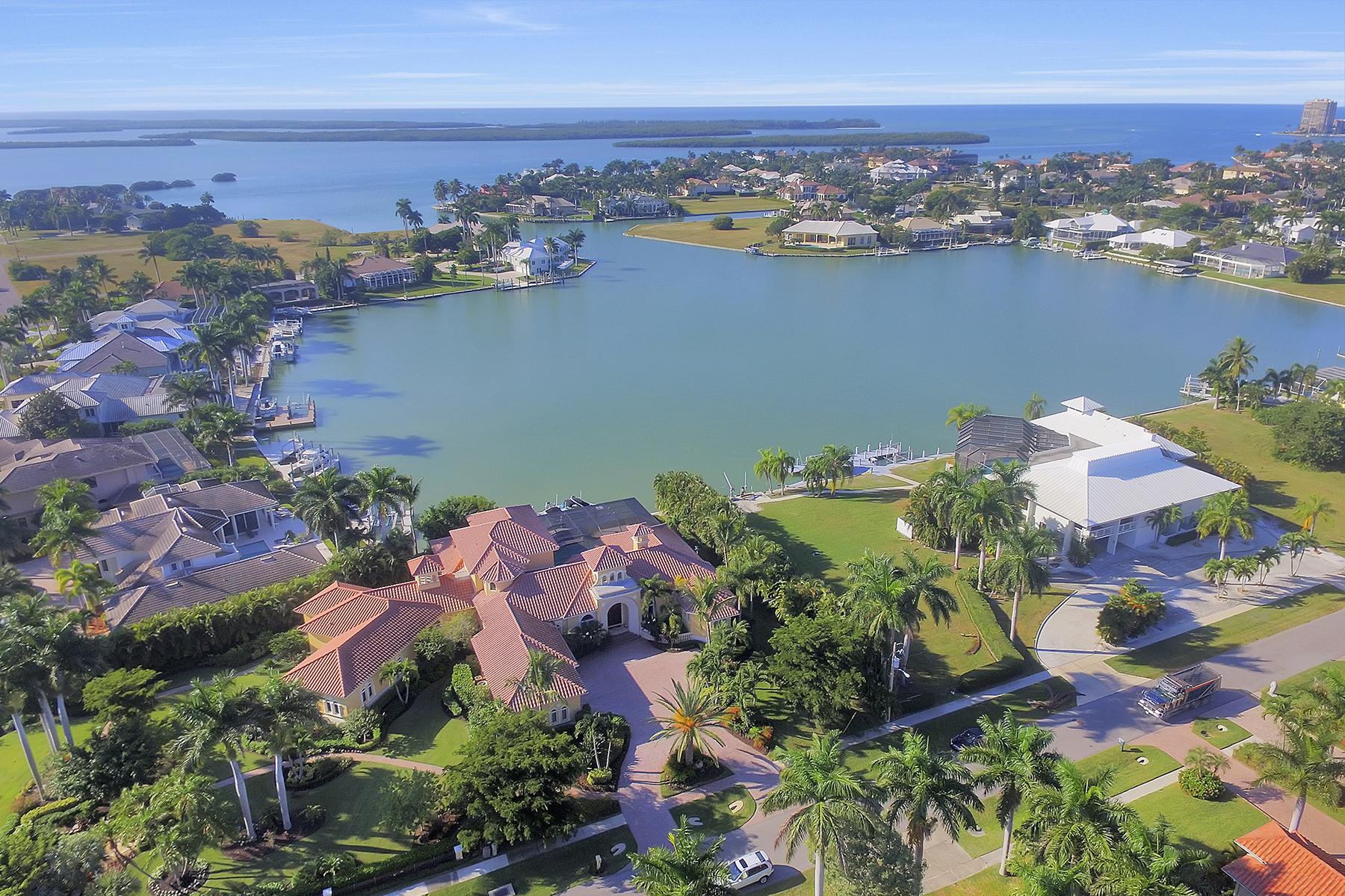 단독 가정 주택 용 매매 에 MARCO ISLAND - LUDLOW 1751 Ludlow Rd Marco Island, 플로리다, 34145 미국
