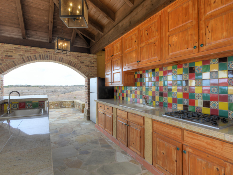 Additional photo for property listing at Spectacular Property on Diamond E Ranch 6231 Ranger Creek Rd Boerne, Texas 78006 Estados Unidos