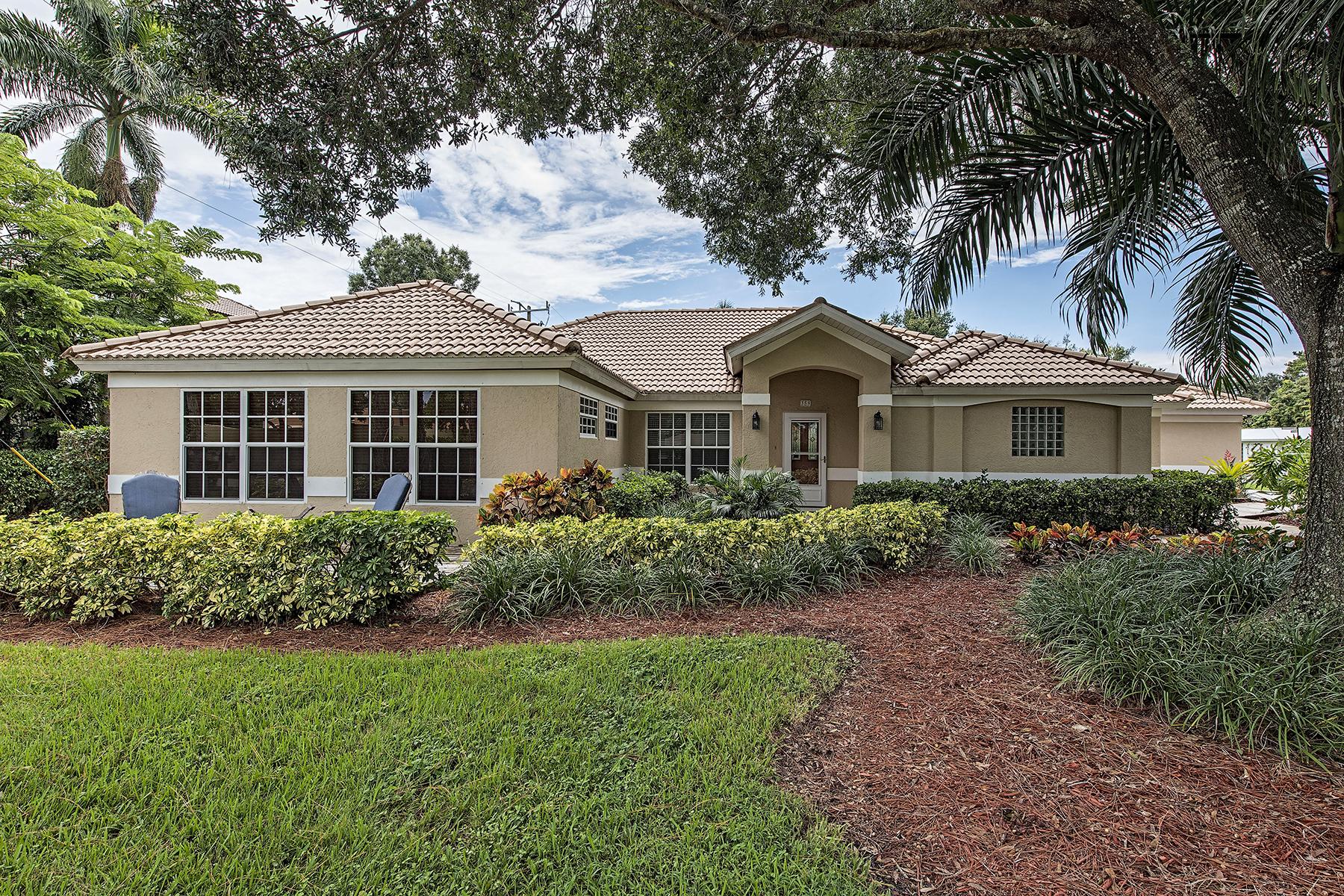 Nhà ở một gia đình vì Bán tại NORTHGATE - NORTHGATE VILLAGE 358 Burning Tree Dr Naples, Florida 34105 Hoa Kỳ