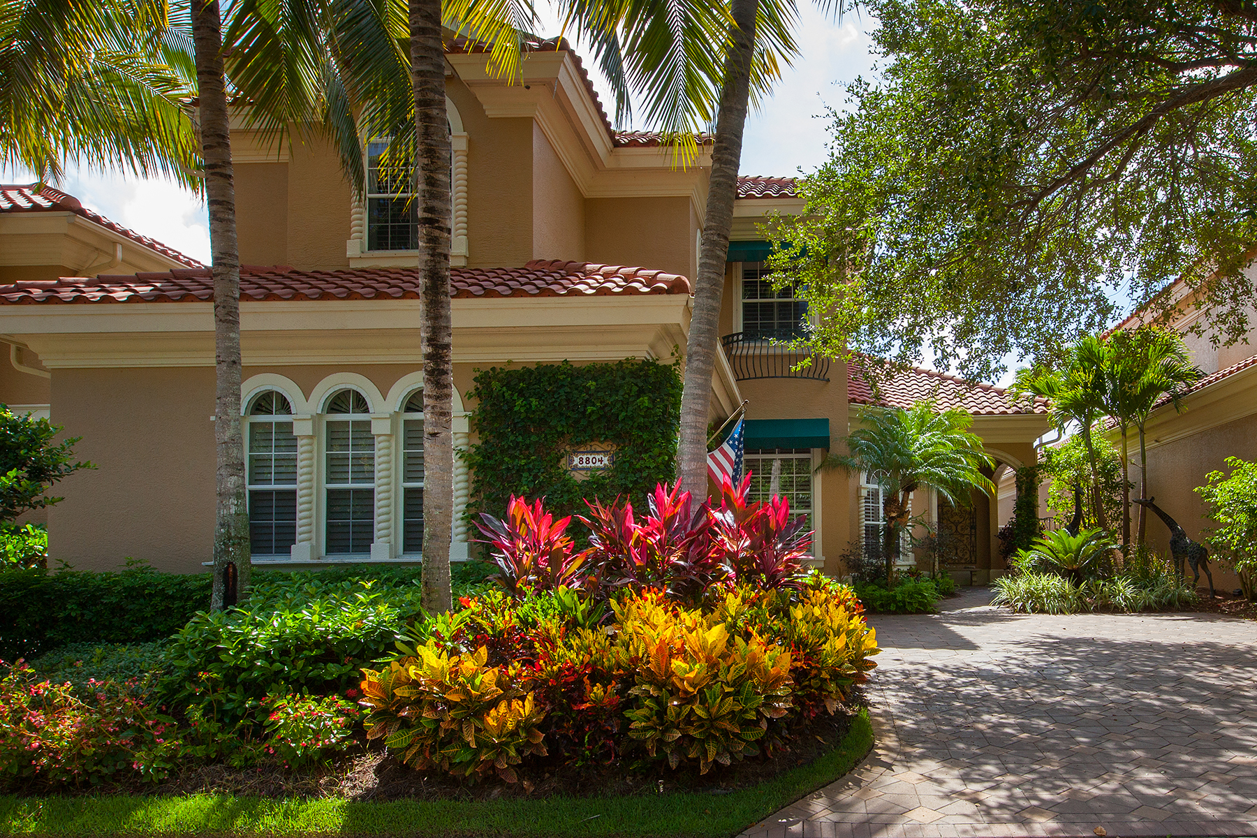Single Family Home for Sale at PELICAN BAY - VILLA LA PALMA AT BAY COLONY 8804 La Palma Ln Naples, Florida 34108 United States