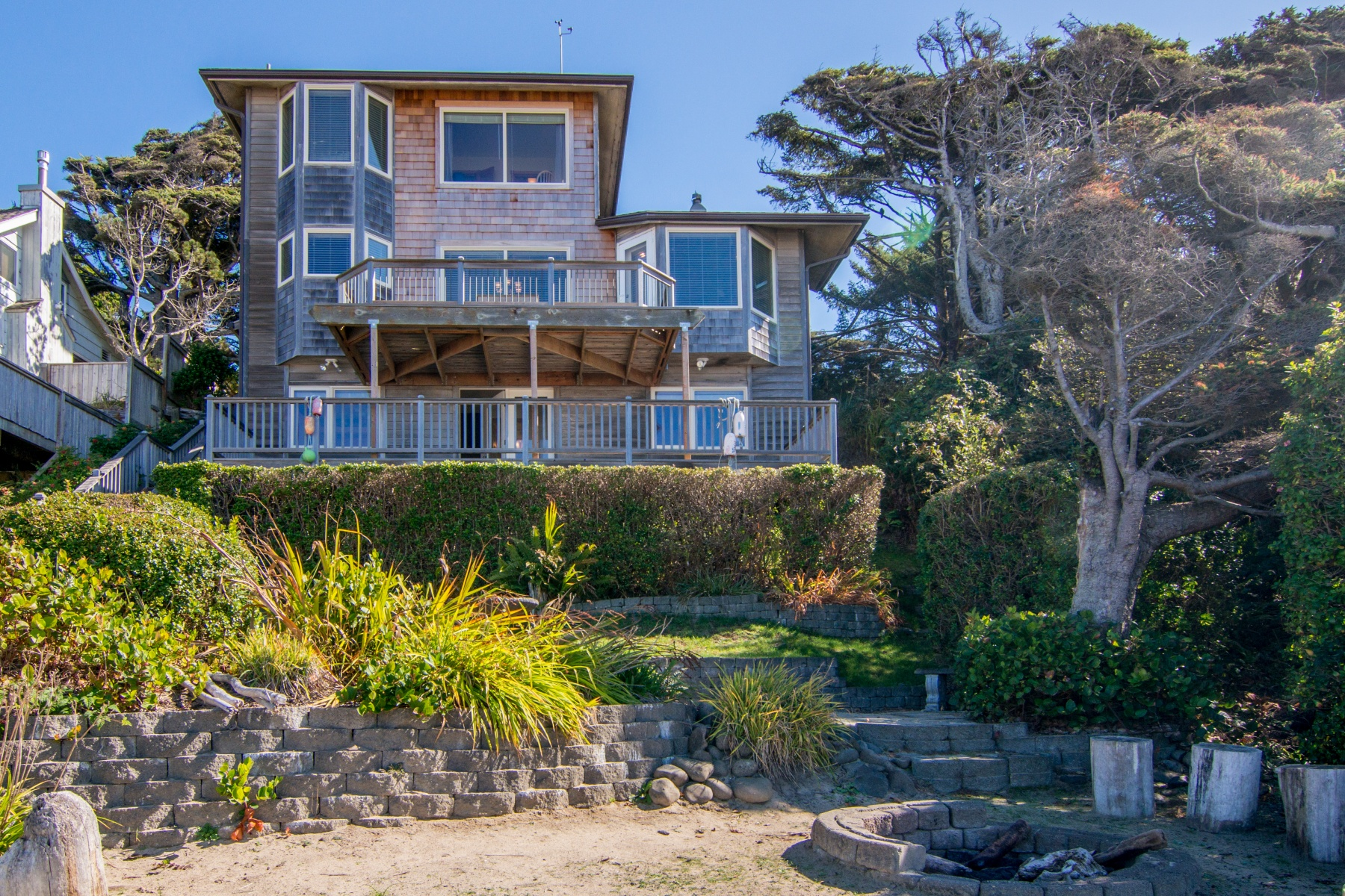 Nhà ở một gia đình vì Bán tại 4580 Logan LN, CANNON BEACH, OR Cannon Beach, Oregon 97110 Hoa Kỳ