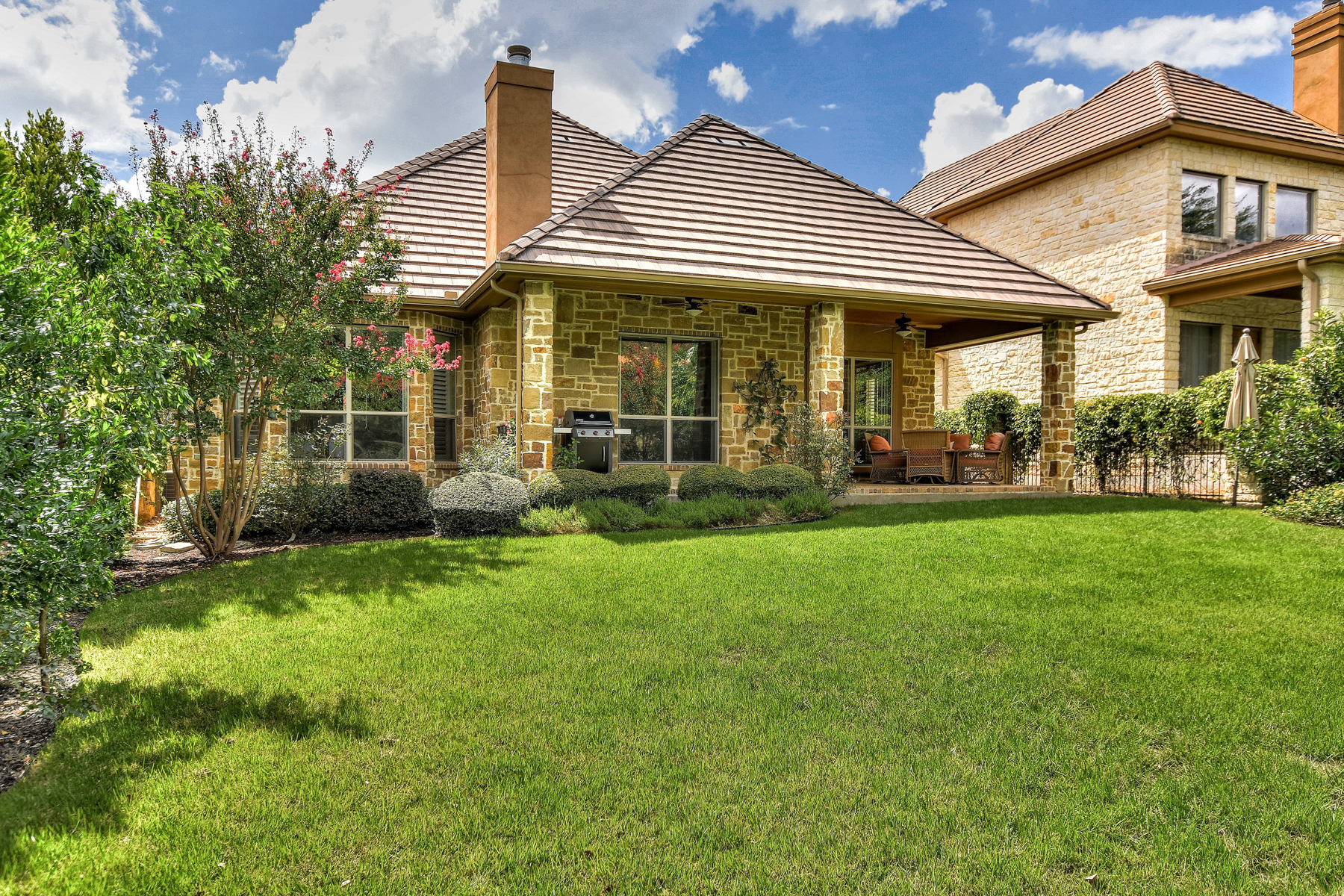Additional photo for property listing at Beautiful Single-Story Home in The Dominion 76 Westcourt Ln San Antonio, Texas 78257 United States