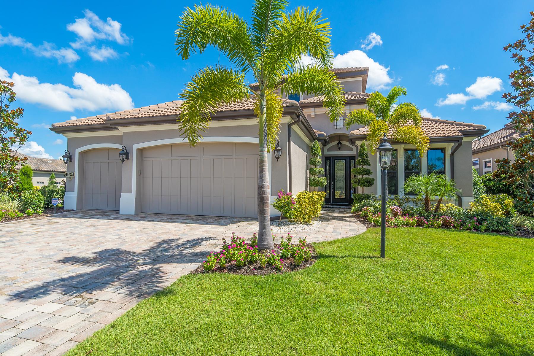 独户住宅 为 销售 在 COUNTRY CLUB EAST 14809 Secret Harbor Pl 莱克伍德牧场, 佛罗里达州, 34202 美国