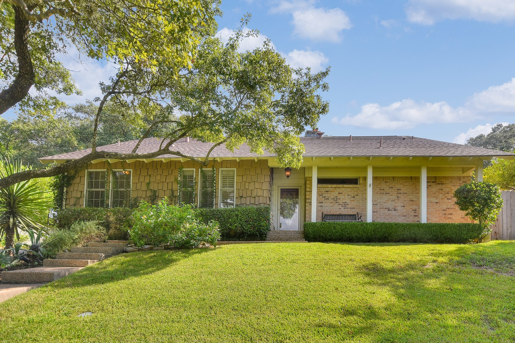 Single Family Home for Sale at Stunning Two Story in Highland Hills 5805 Highland Hills Dr Austin, Texas 78731 United States