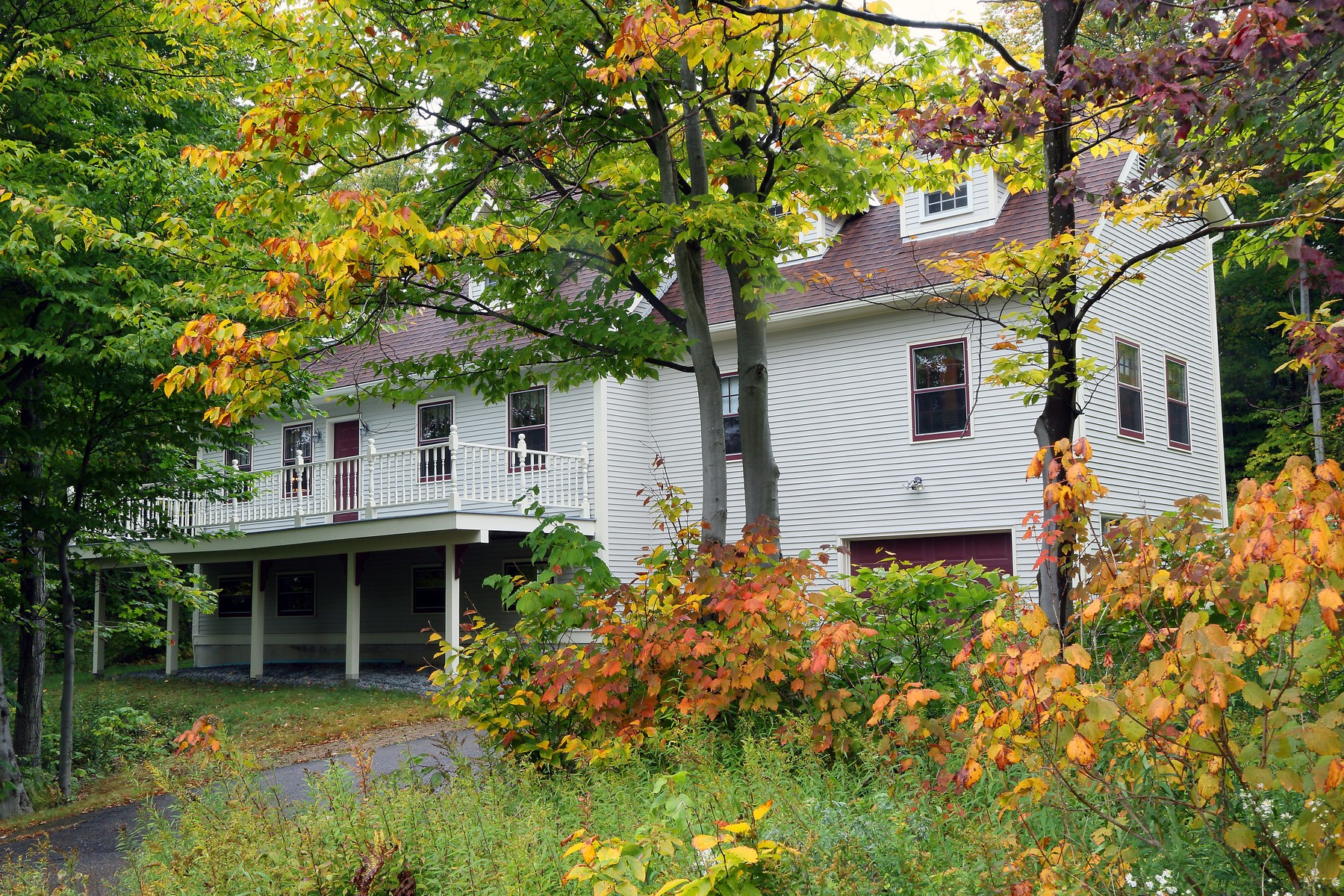Moradia para Venda às 193 Wentworth Road, Bolton 193 Wentworth Rd Bolton, Vermont, 05676 Estados Unidos