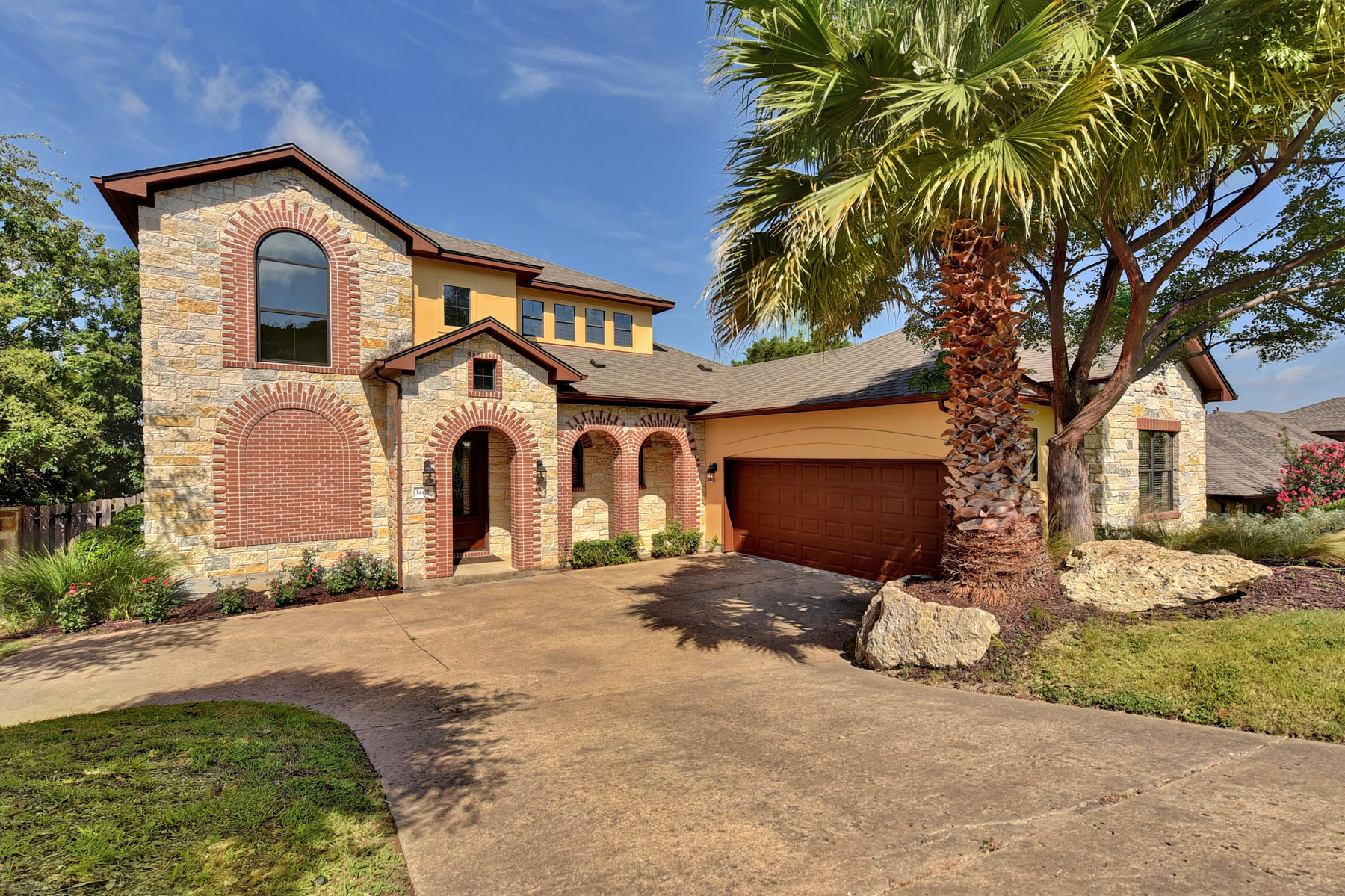 Casa Unifamiliar por un Venta en Great Location! Great Views! Great Price! 1402 Sledge Dr Lakeway, Texas 78734 Estados Unidos