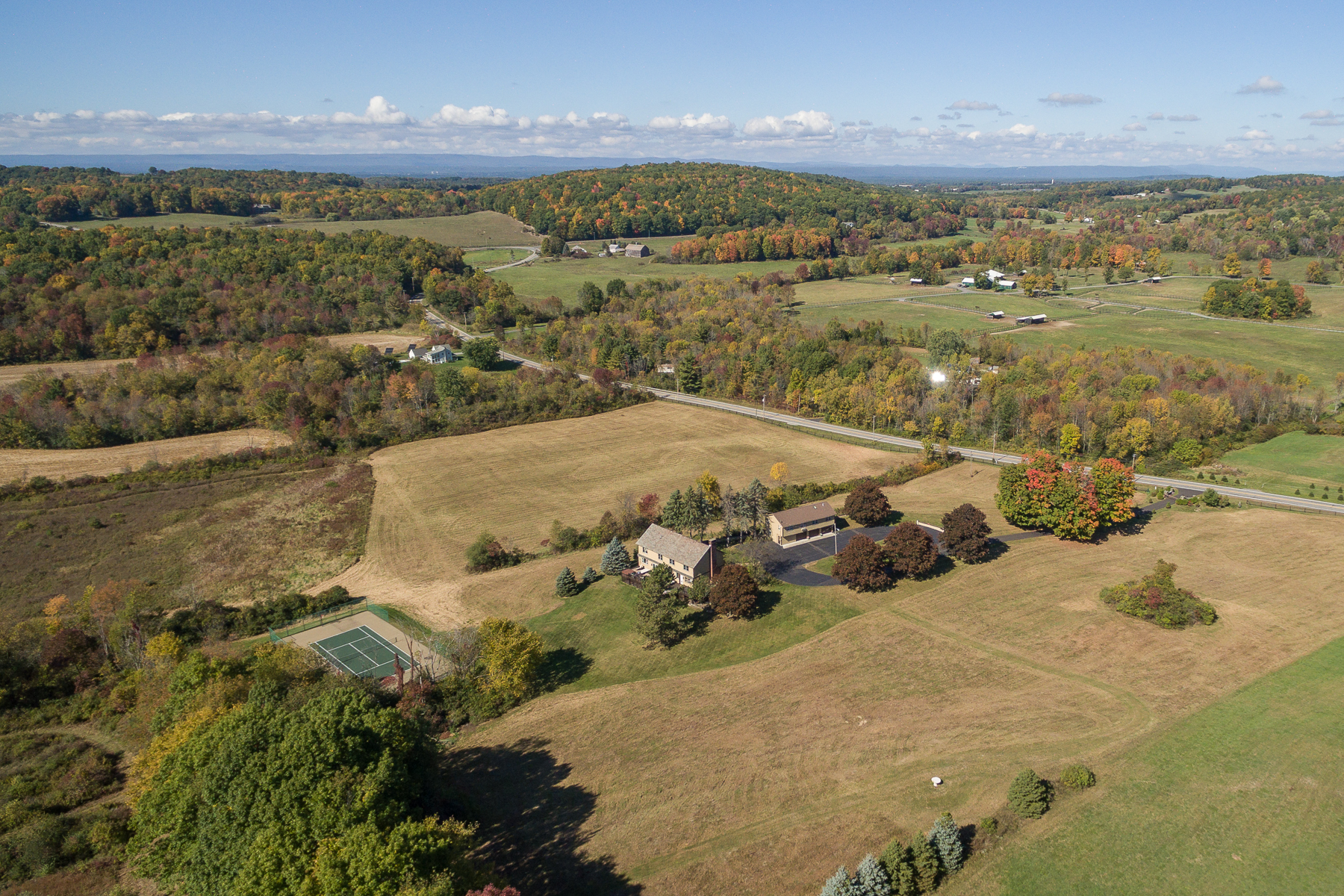 Additional photo for property listing at Custom Home on 67 Acres in Stillwater 411  Cedar Bluff Rd 斯蒂尔沃特, 纽约州 12170 美国