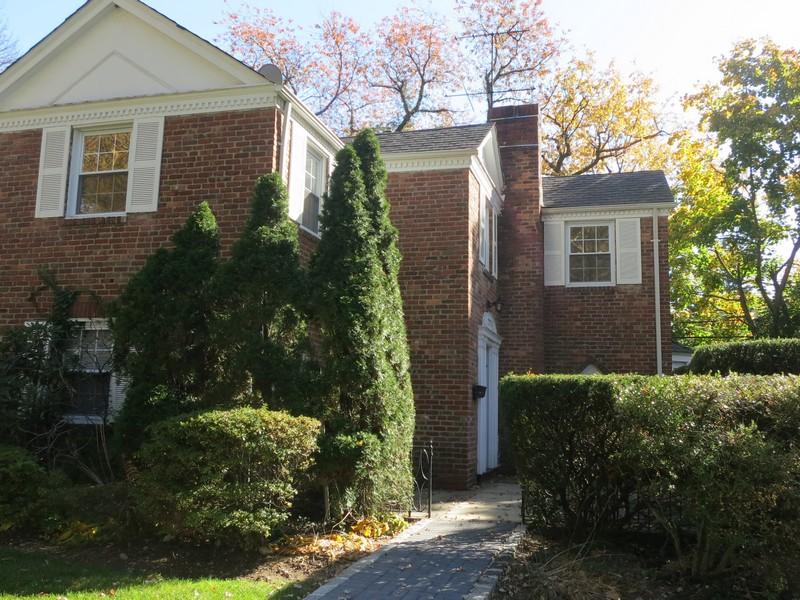 단독 가정 주택 용 매매 에 Colonial 2 Rockywood Rd Manhasset, 뉴욕 11030 미국