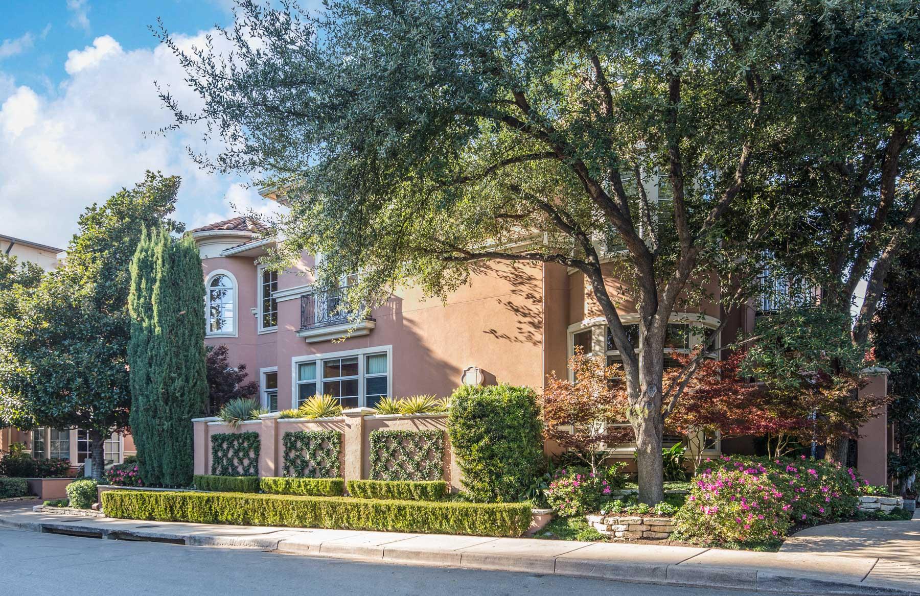 Maison unifamiliale pour l Vente à 2845 Hood Street, Dallas Dallas, Texas, 75219 États-Unis