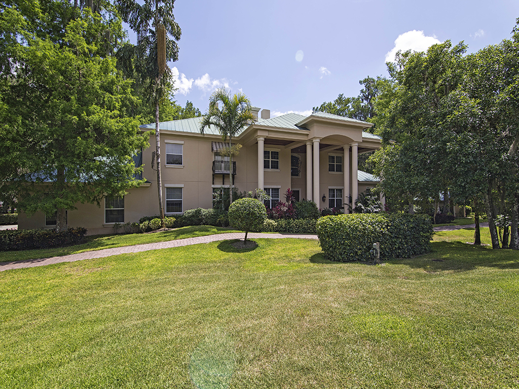 Villa per Vendita alle ore GOLDEN GATE ESTATES 4260 15th Ave SW Naples, Florida 34116 Stati Uniti
