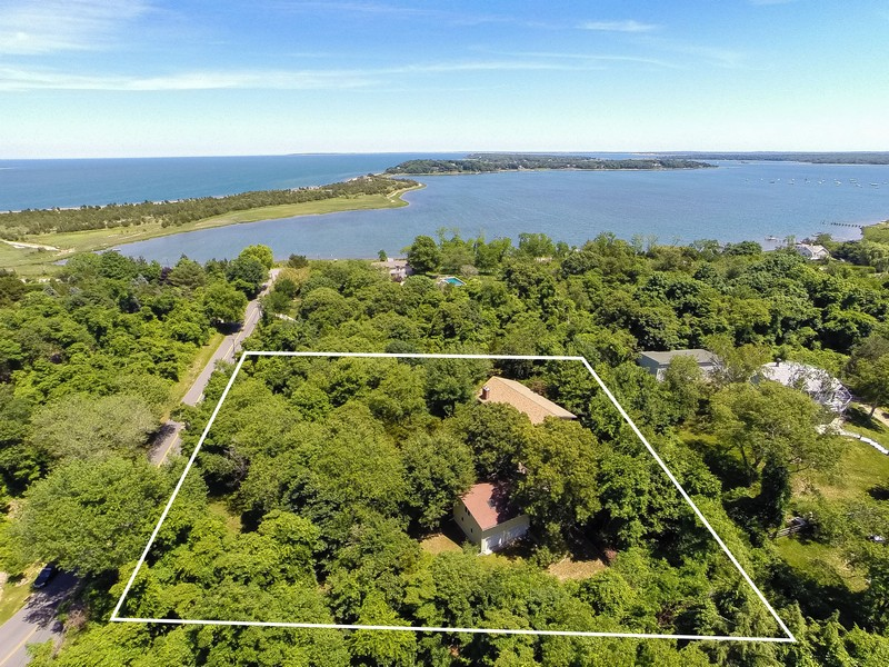 Single Family Home for Sale at Split 60 Cobbetts Ln Shelter Island Heights, New York 11965 United States