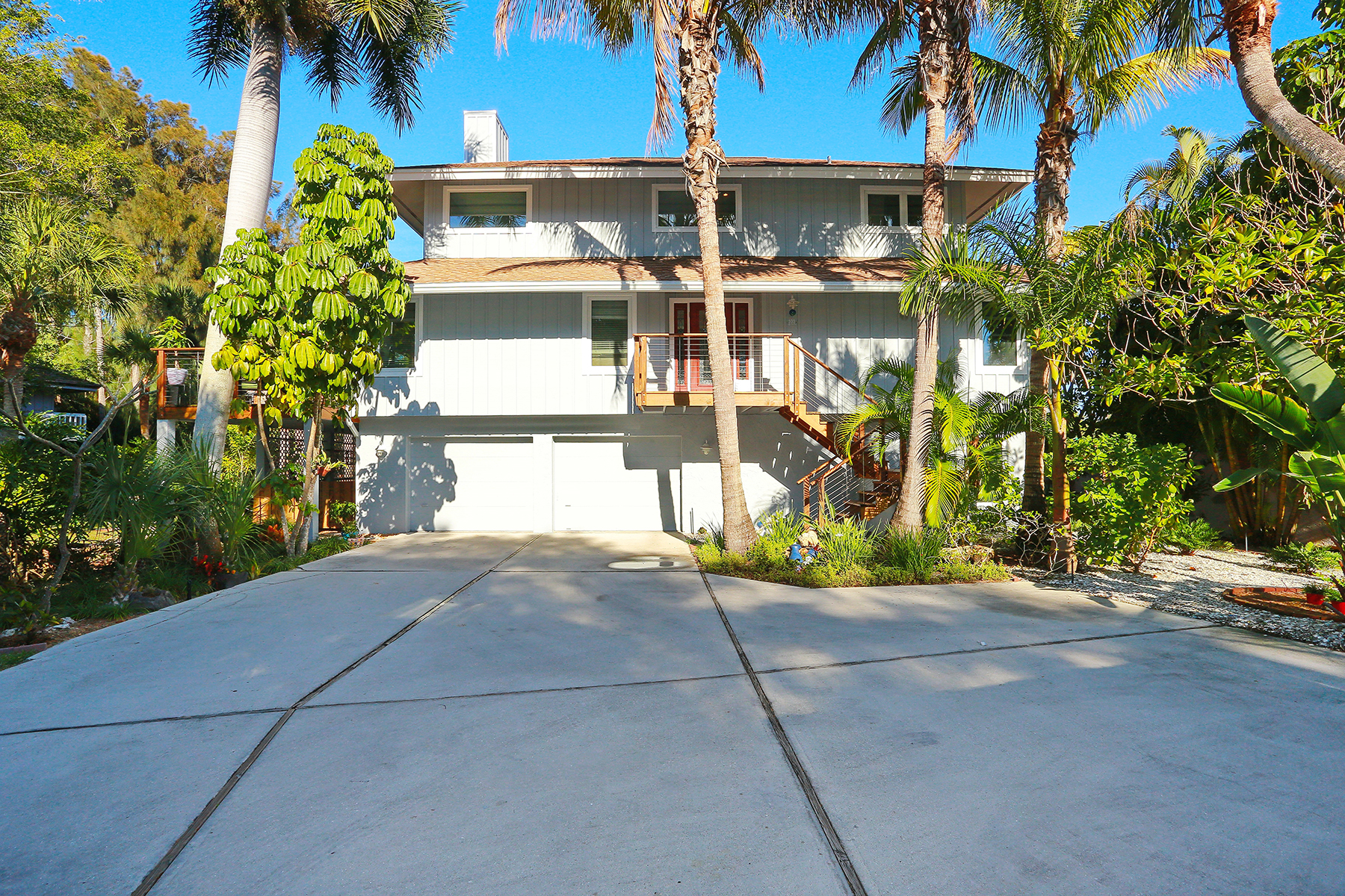 Single Family Home for Sale at SIESTA KEY 103 Sand Dollar Ln Sarasota, Florida 34242 United States