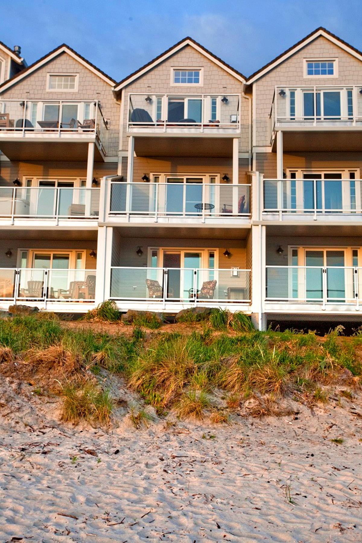 Nhà ở một gia đình vì Bán tại 148 NORTH PACIFIC ST, ROCKAWAY BEACH, OR Rockaway Beach, Oregon 97136 Hoa Kỳ