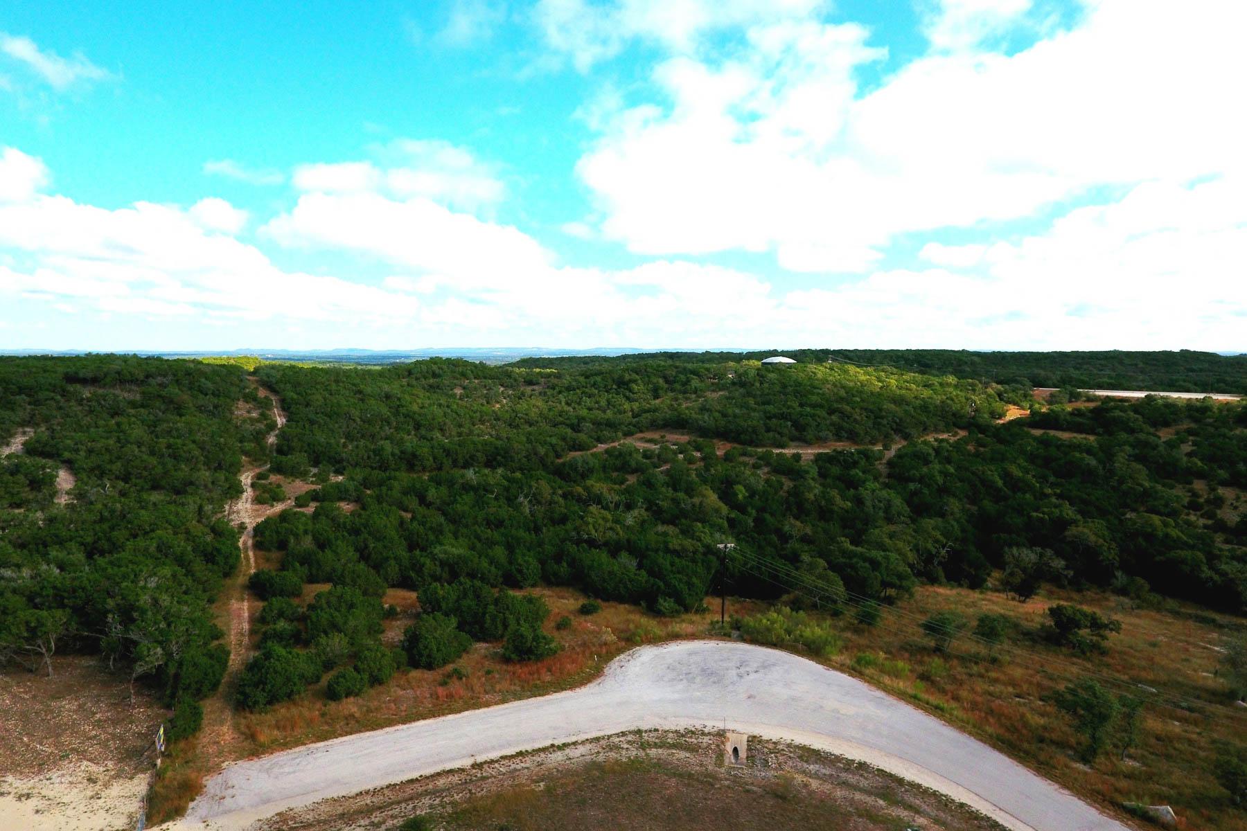 Terreno por un Venta en Beautiful Lot with Distant Lake Views 1304 Mystic Breeze Spring Branch, Texas 78070 Estados Unidos