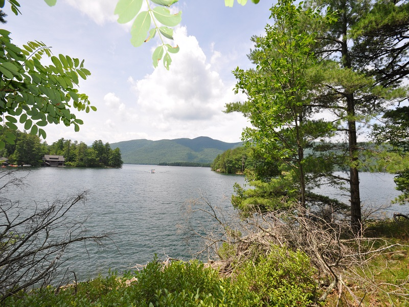 Additional photo for property listing at Lake George Historic Waterfront Property 2148  Lands End Rd Dresden, New York 12841 États-Unis
