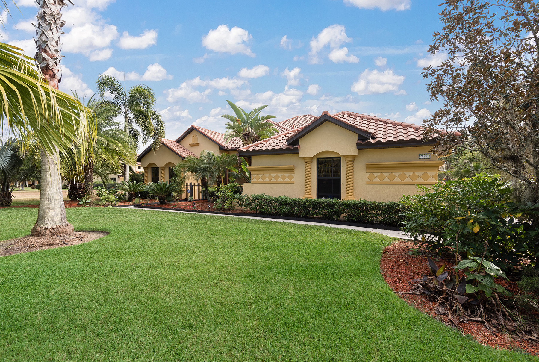 Casa Unifamiliar por un Venta en LAND O LAKES 3650 Marbury Ct Land O' Lakes, Florida, 34638 Estados Unidos