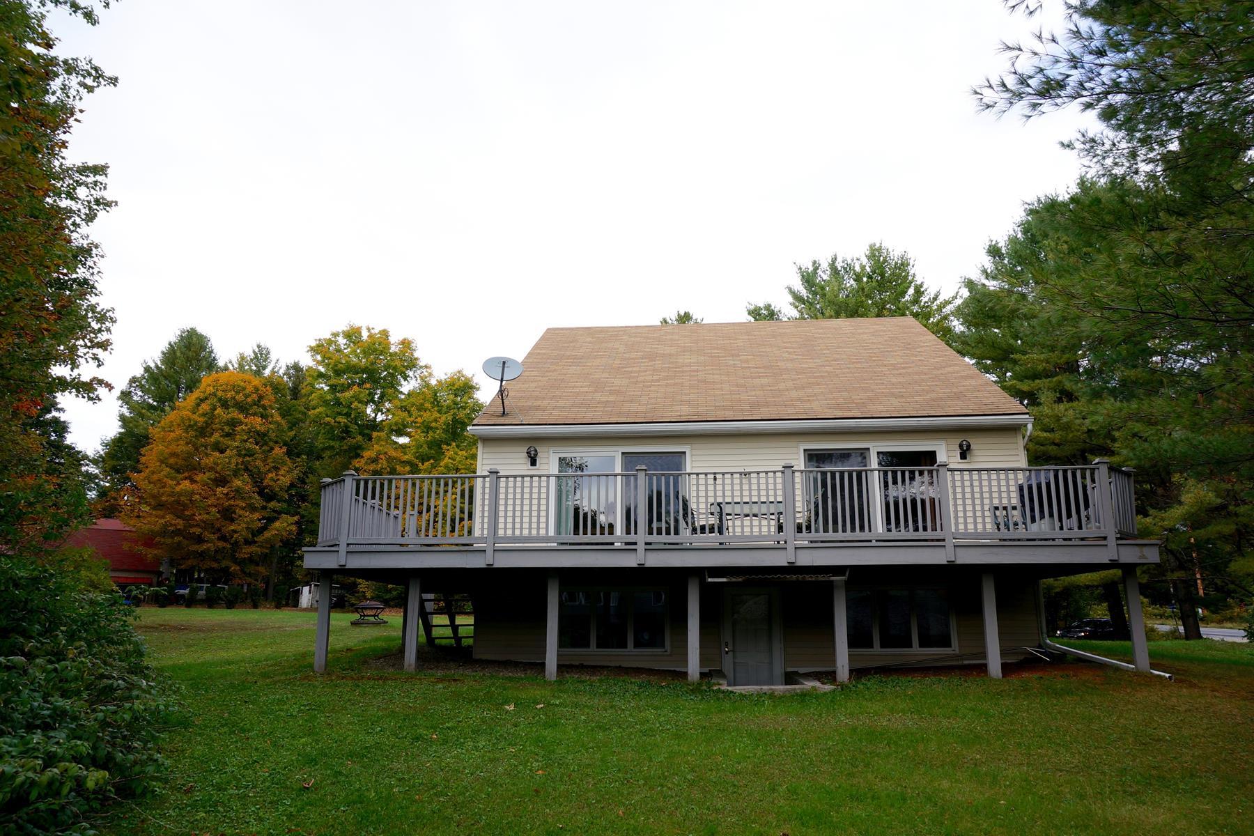 Maison unifamiliale pour l Vente à 6 Willis Way, Newbury Newbury, New Hampshire 03255 États-Unis