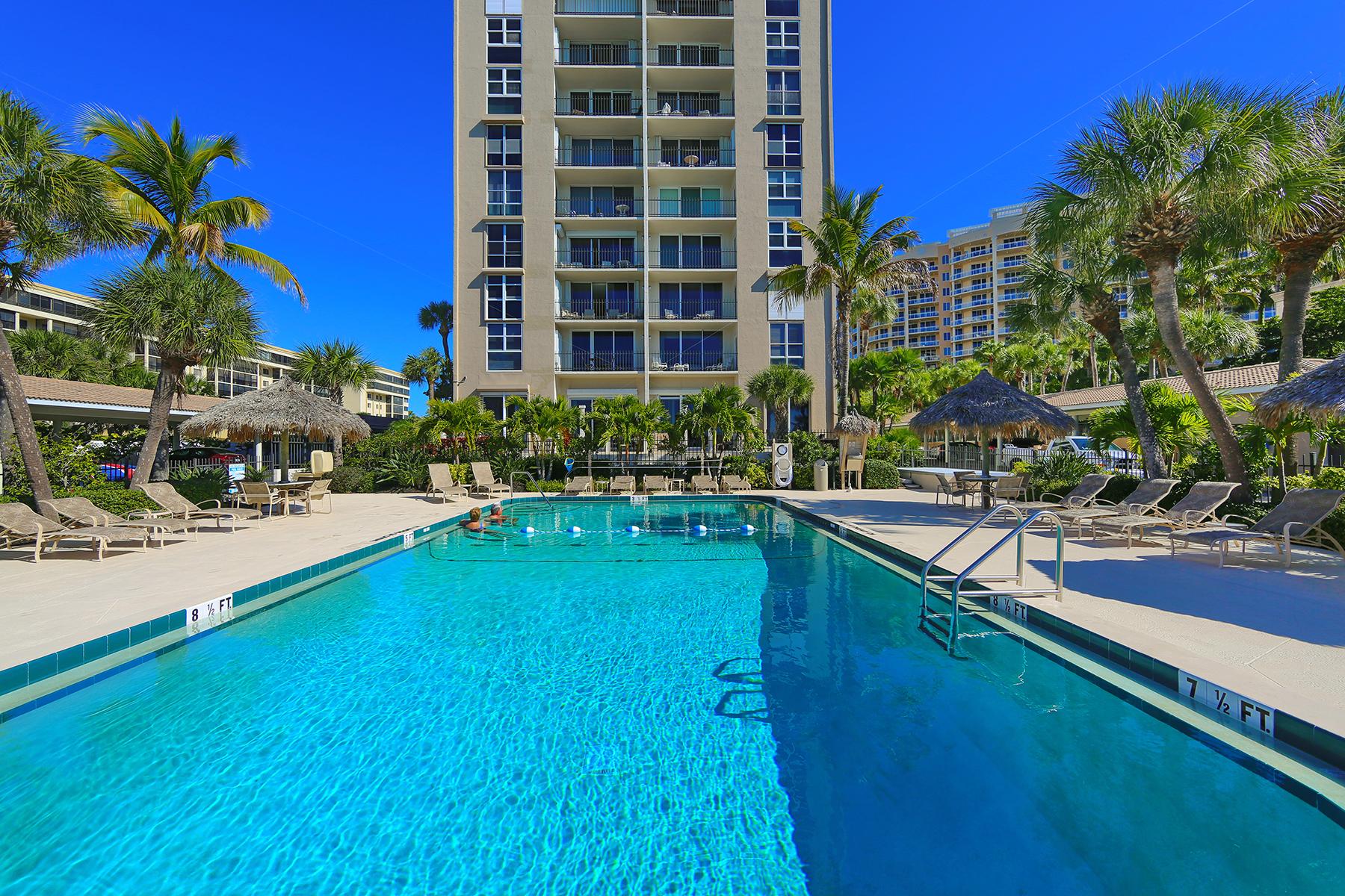 콘도미니엄 용 매매 에 SARASOTA 1212 Benjamin Franklin Dr 307 Sarasota, 플로리다, 34236 미국