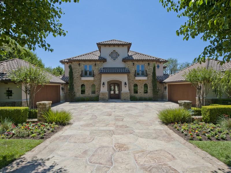 Nhà ở một gia đình vì Bán tại Private Resort Style Living 105 Bella Cima Dr Austin, Texas 78734 Hoa Kỳ