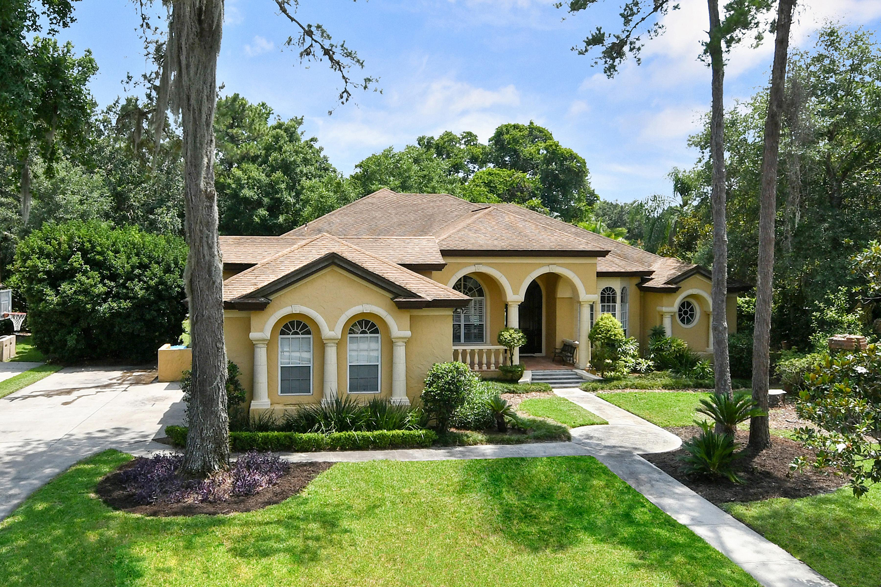 Single Family Home for Sale at ORLANDO - WINTER SPRINGS 101 Cherry Creek Cir Winter Springs, Florida, 32708 United States