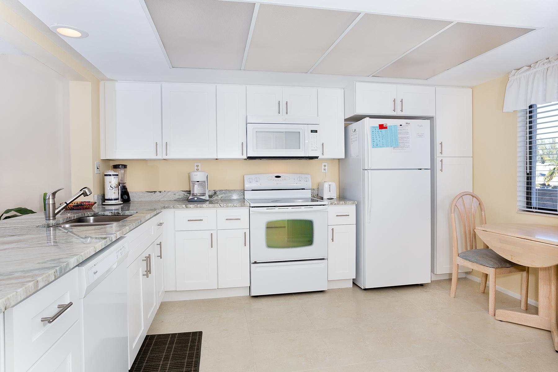 Condomínio para Venda às SANIBEL 979 E Gulf Dr 574 Sanibel, Florida, 33957 Estados Unidos