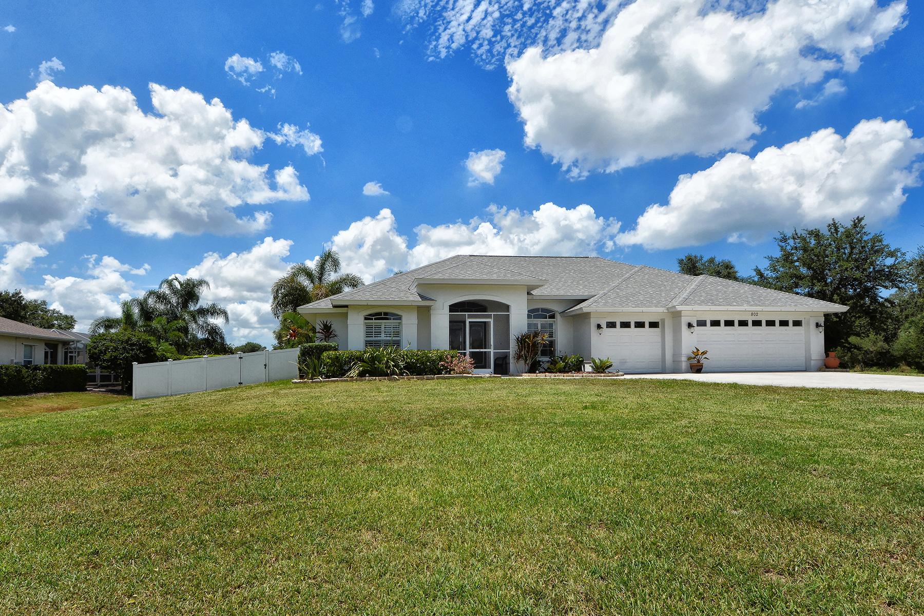 Casa Unifamiliar por un Venta en MISSION VALLEY ESTATES 802 Highland Cir Nokomis, Florida, 34275 Estados Unidos