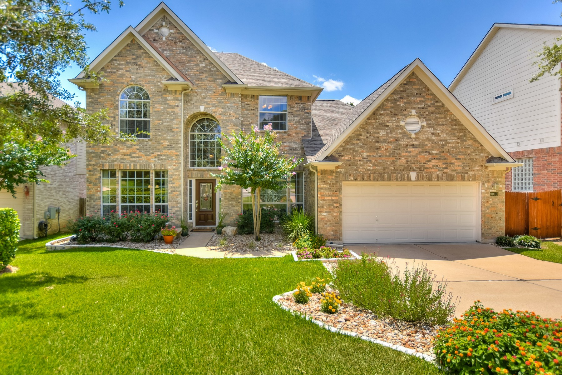 Single Family Home for Sale at Great Opportunity in SW Austin 9013 Sautelle Ln Austin, Texas 78749 United States