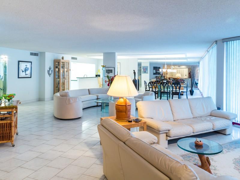 Condomínio para Venda às 3546 S Ocean , 224, Palm Beach, FL 33480 3546 S Ocean 224 Palm Beach, Florida 33480 Estados Unidos